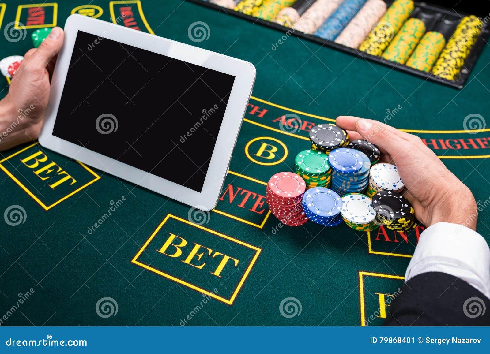 Играть в азартные игры в казино онлайн как играть на картах игральных