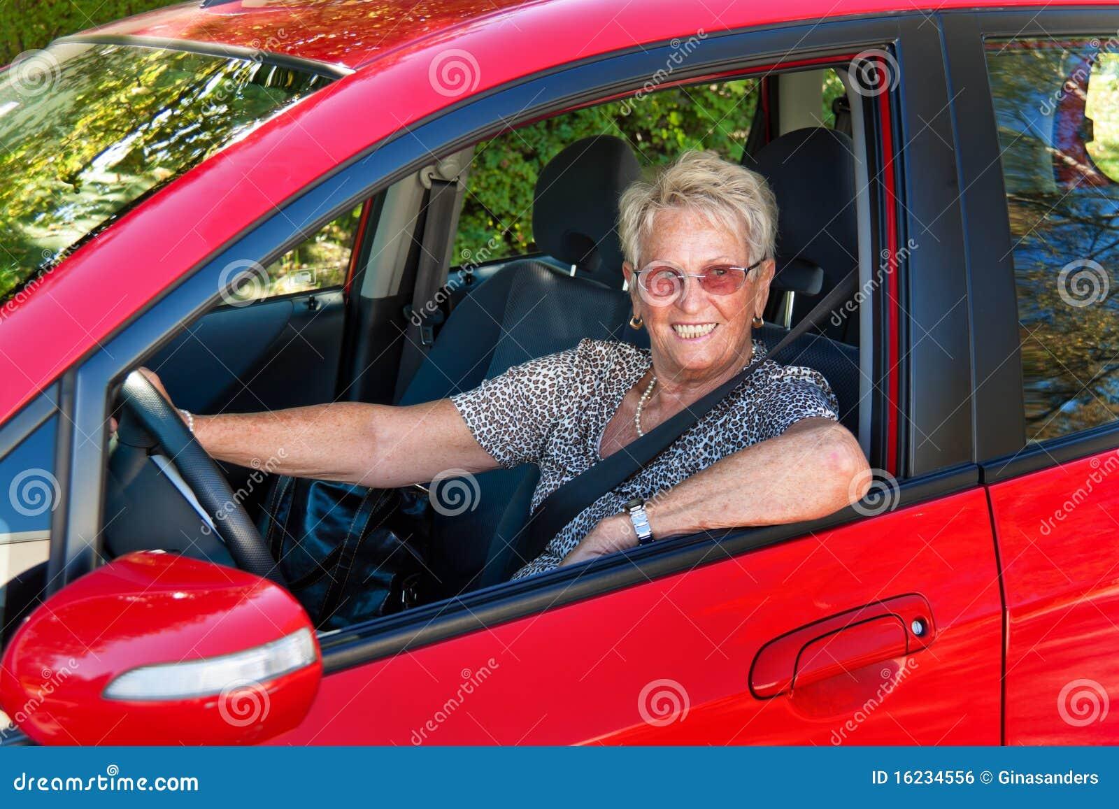 как старший водителя автомобиля