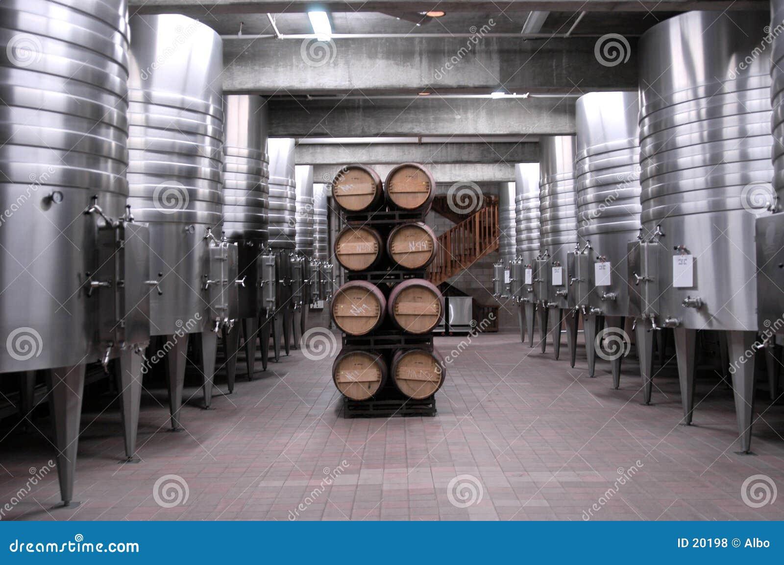 калифорнийское вино погреба
