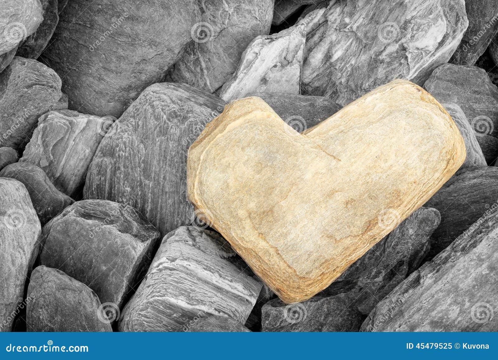 камень сердца форменный