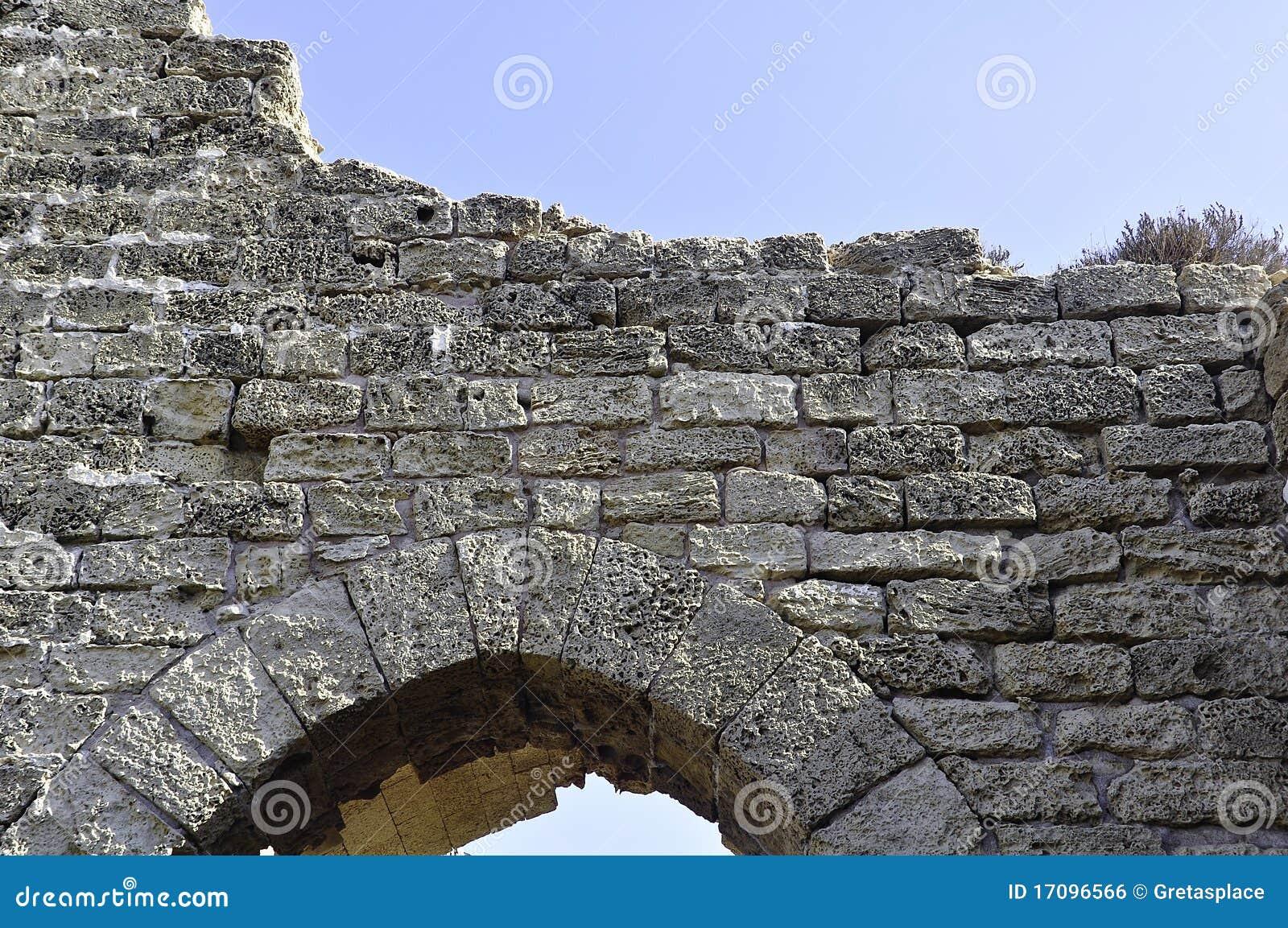 камень entryway