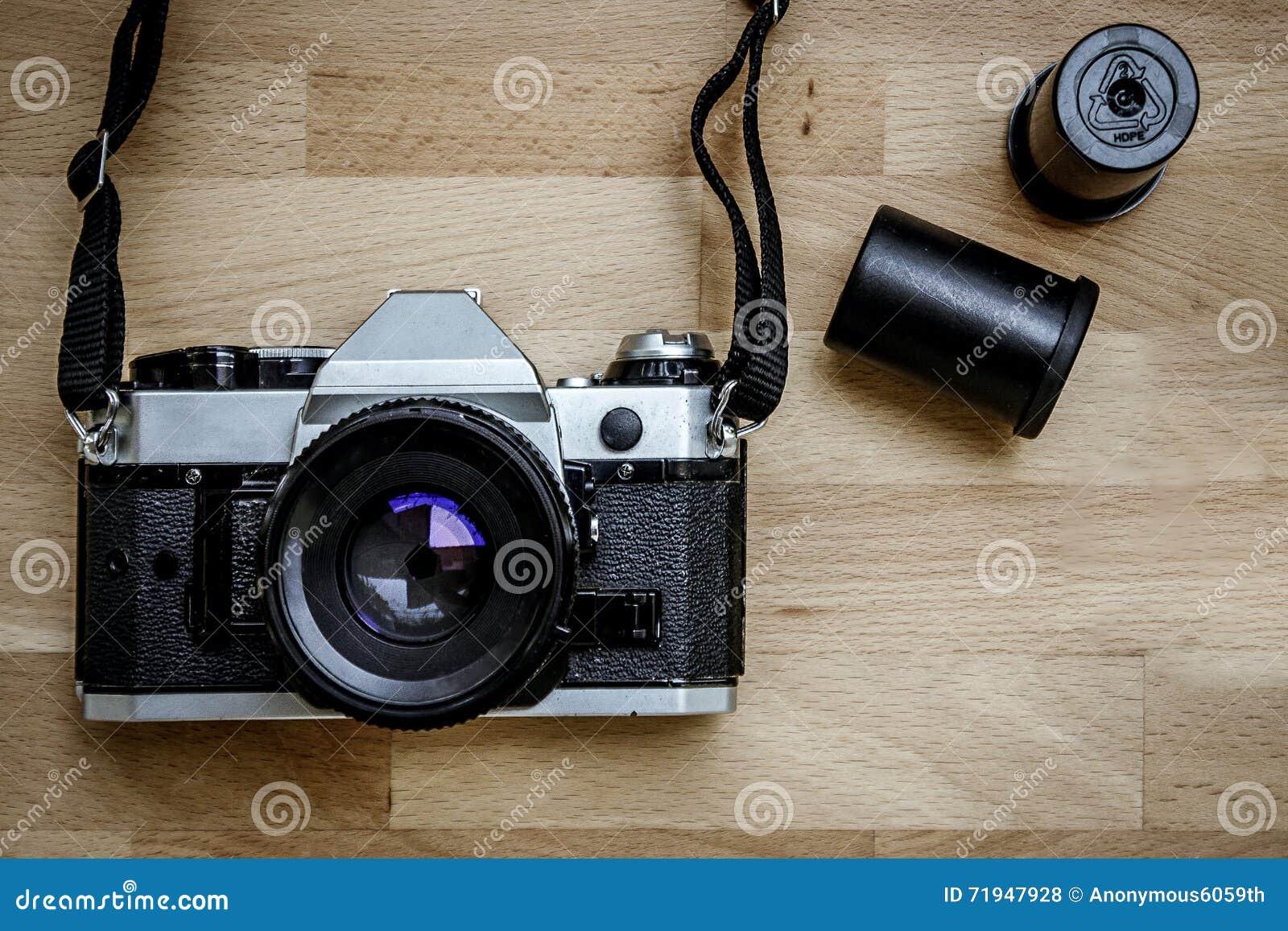 Камера на деревянном