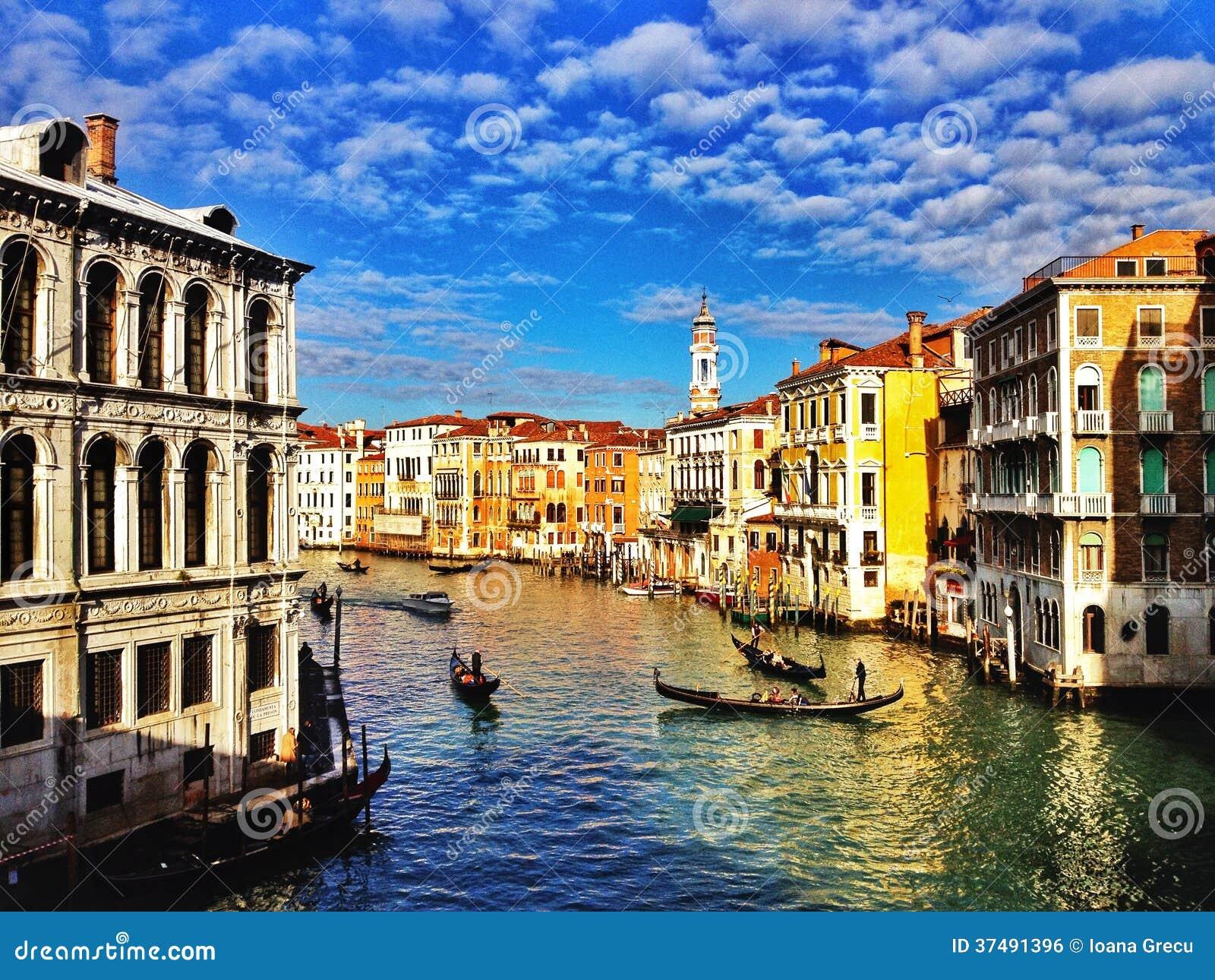 Канал Венеции грандиозный