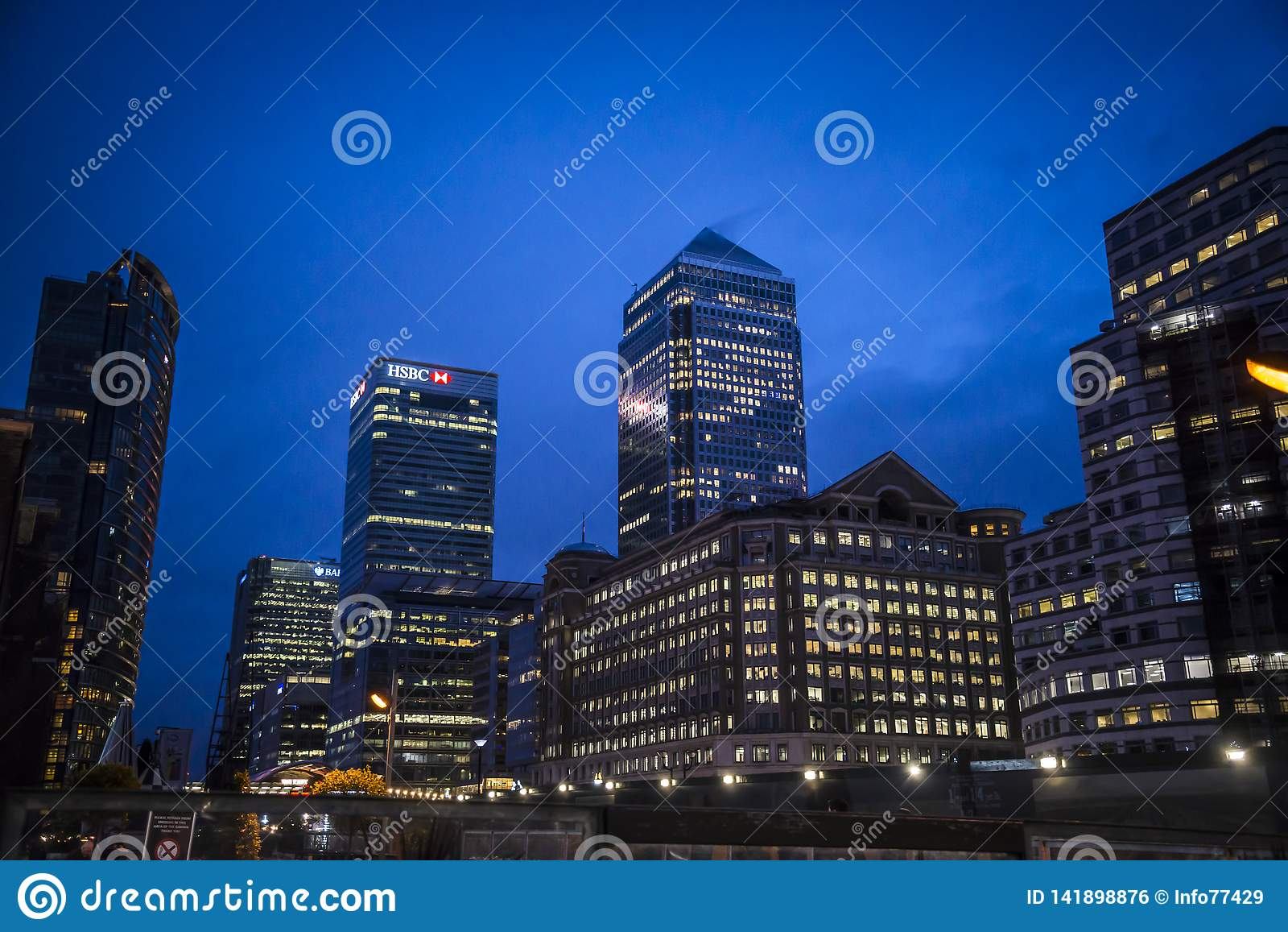 Канереечный причал вечером, Лондон, Великобритания