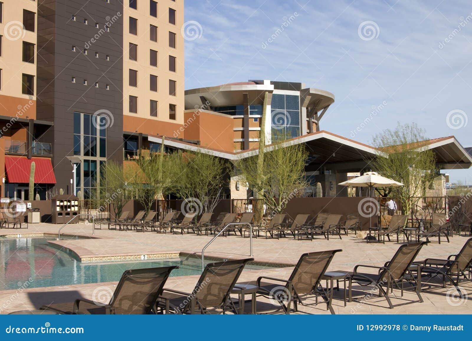 каникула курорта poolside гостиницы пустыни самомоднейшая