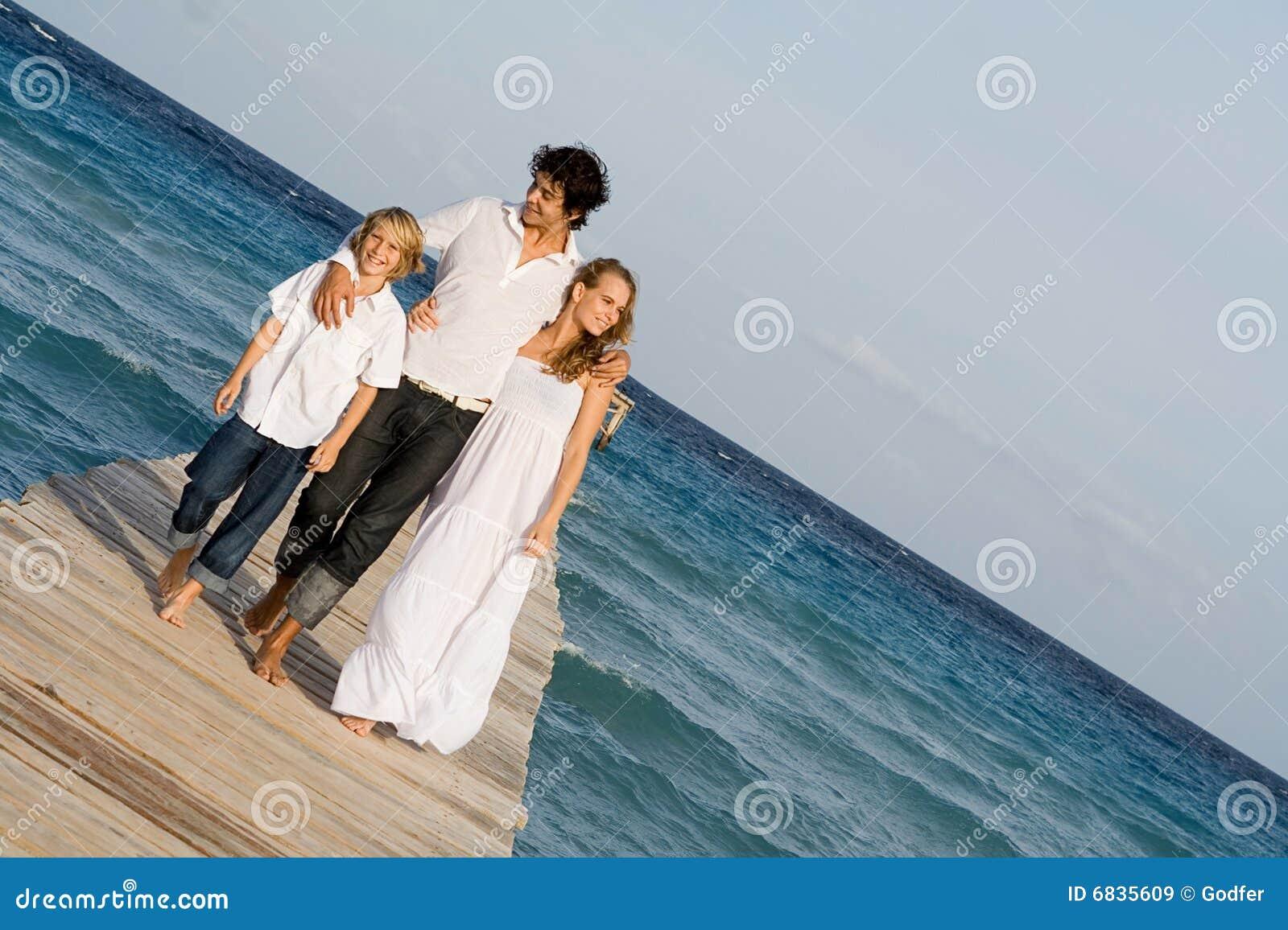 каникула семьи счастливая