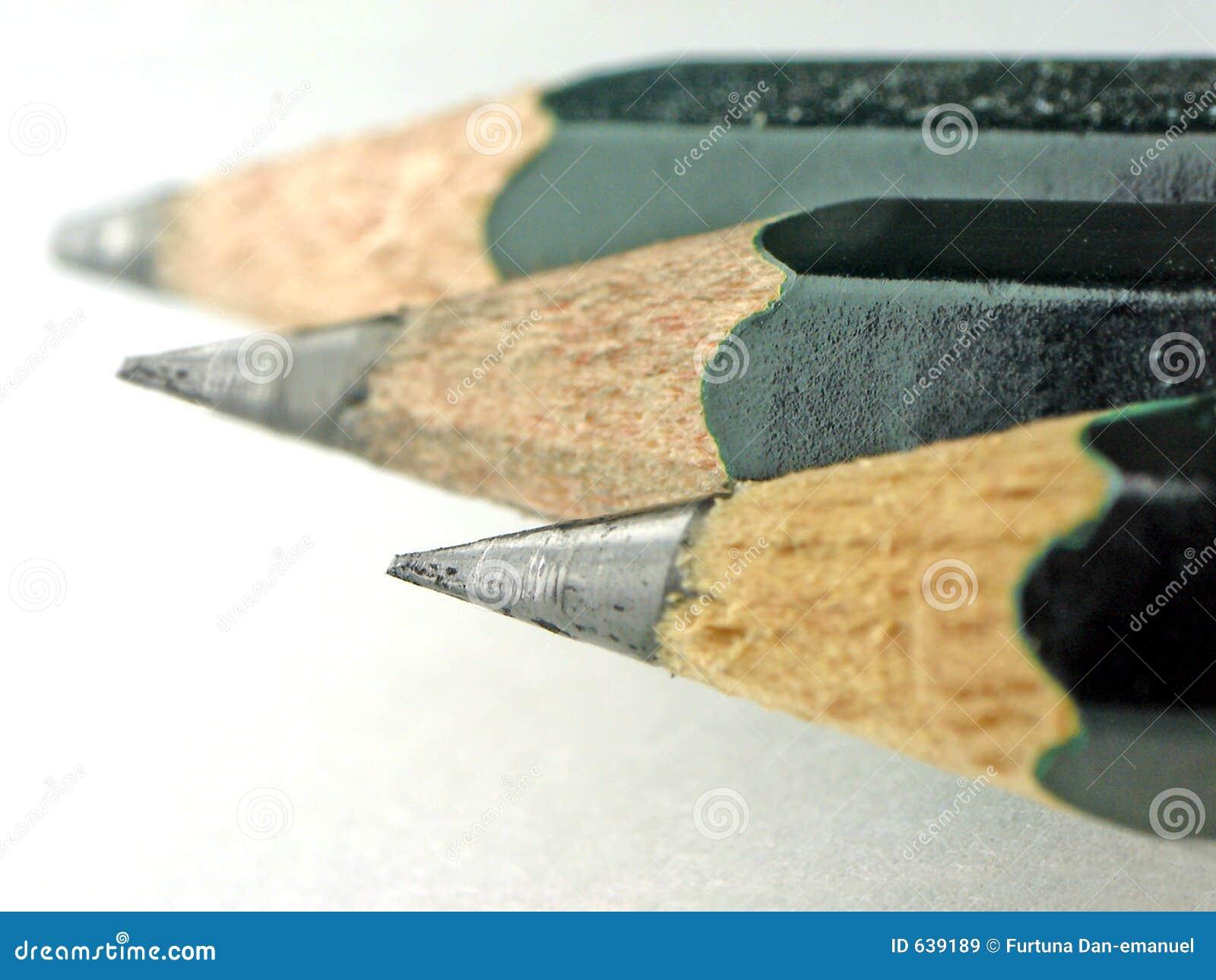 Download карандаш стоковое изображение. изображение насчитывающей educating - 639189