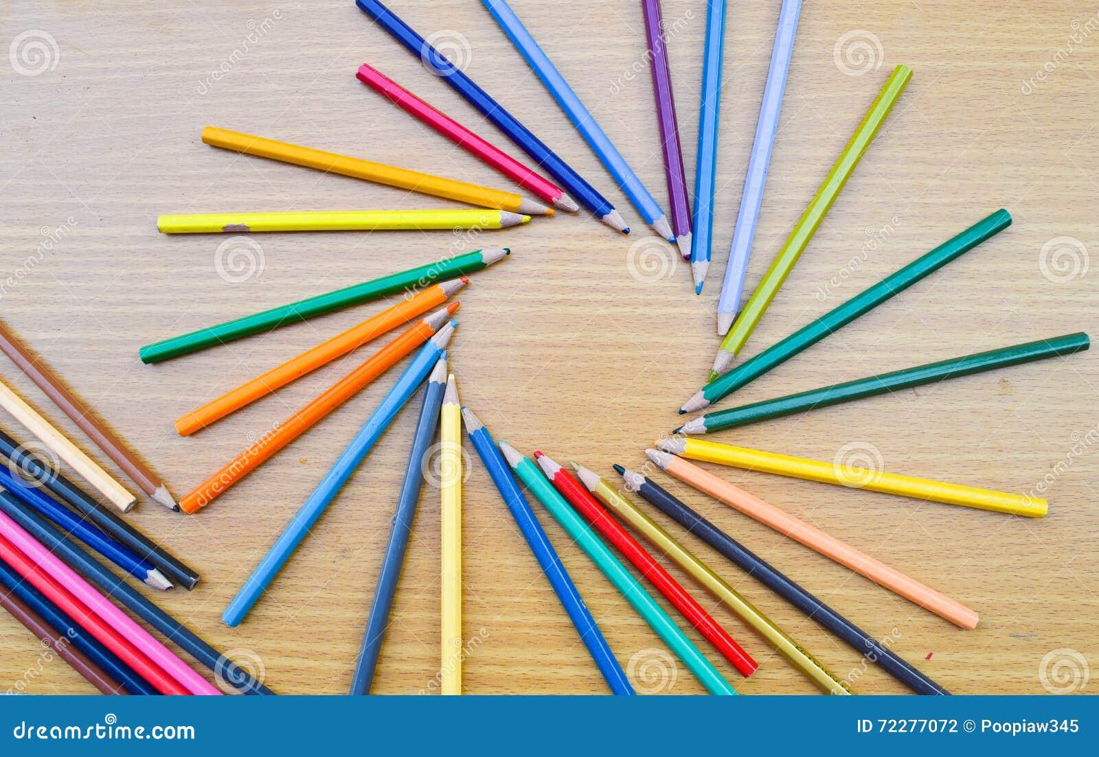 Download Карандаши цвета для текстуры Иллюстрация штока - иллюстрации насчитывающей список, backhander: 72277072