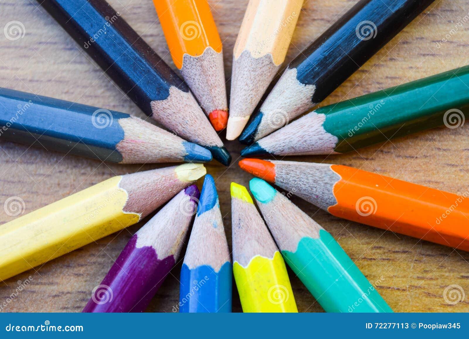 Download Карандаши цвета для текстуры Иллюстрация штока - иллюстрации насчитывающей цветасто, художничества: 72277113