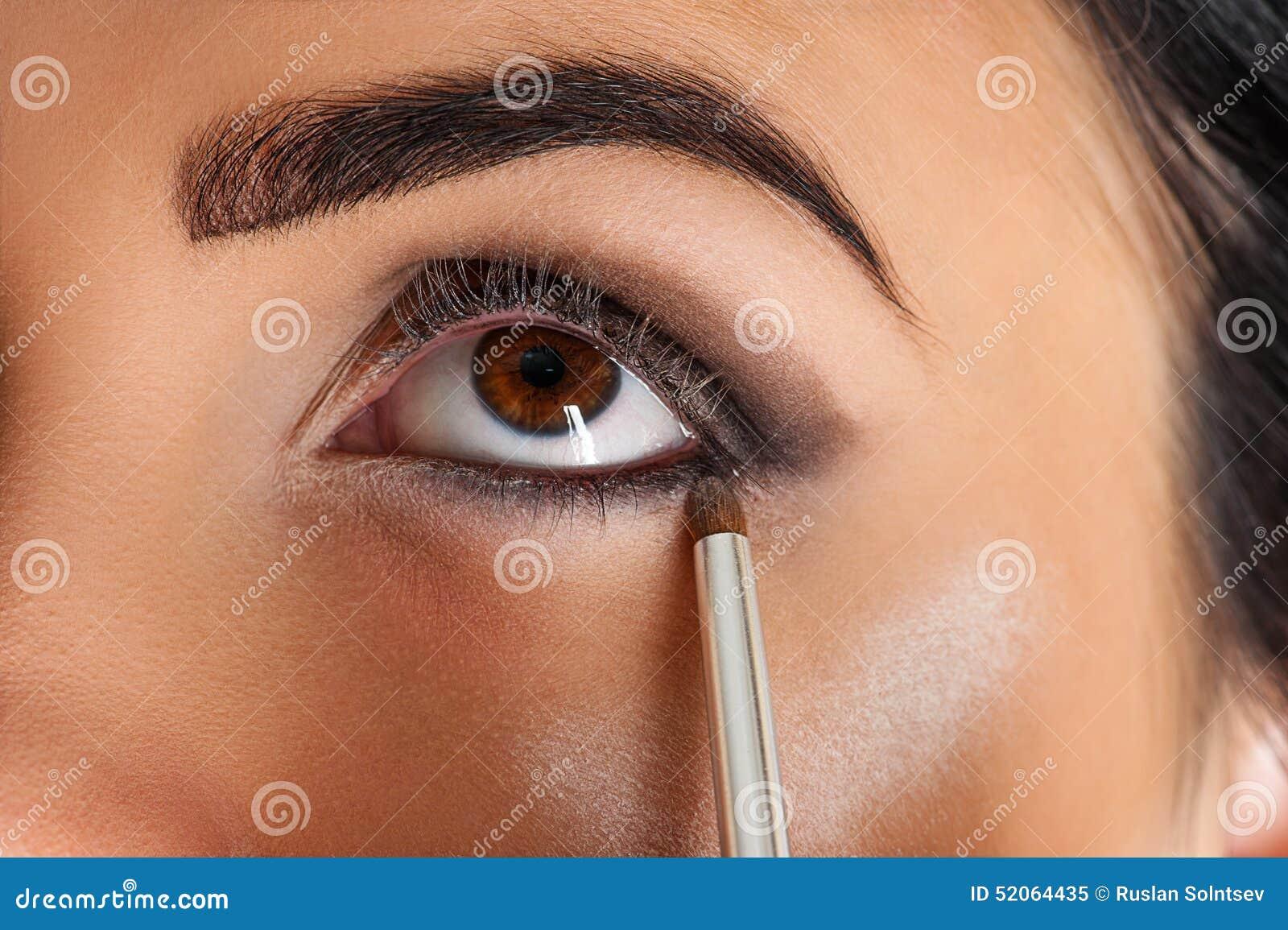 Карандаш для глаз визажиста