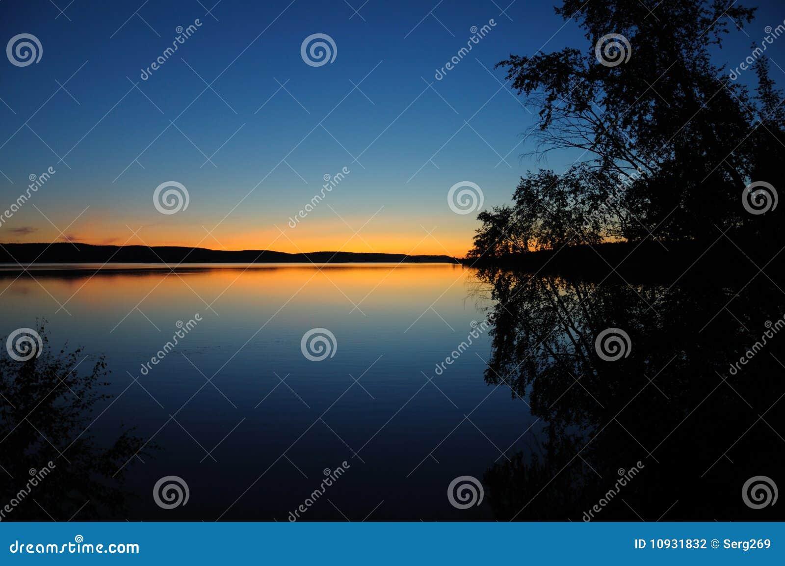 карельский тихий заход солнца