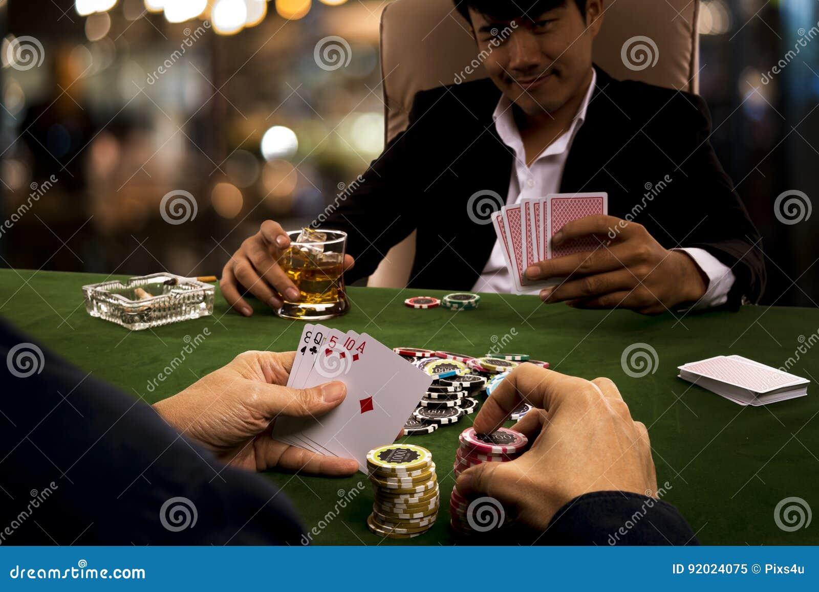 Я картежник я в карты играю игры на карты дурак на раздевание играть