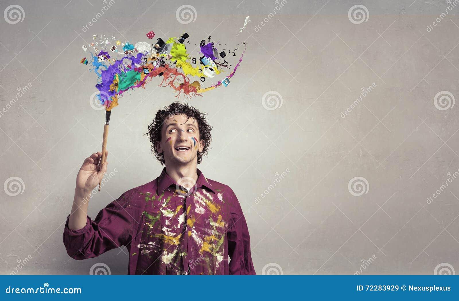 Download Картина художника человека с щеткой Стоковое Изображение - изображение насчитывающей дом, рука: 72283929