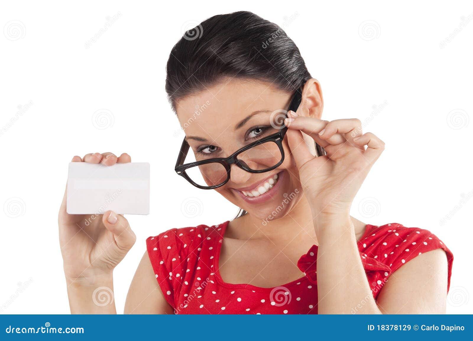 карточка смотря показывающ сь женщину