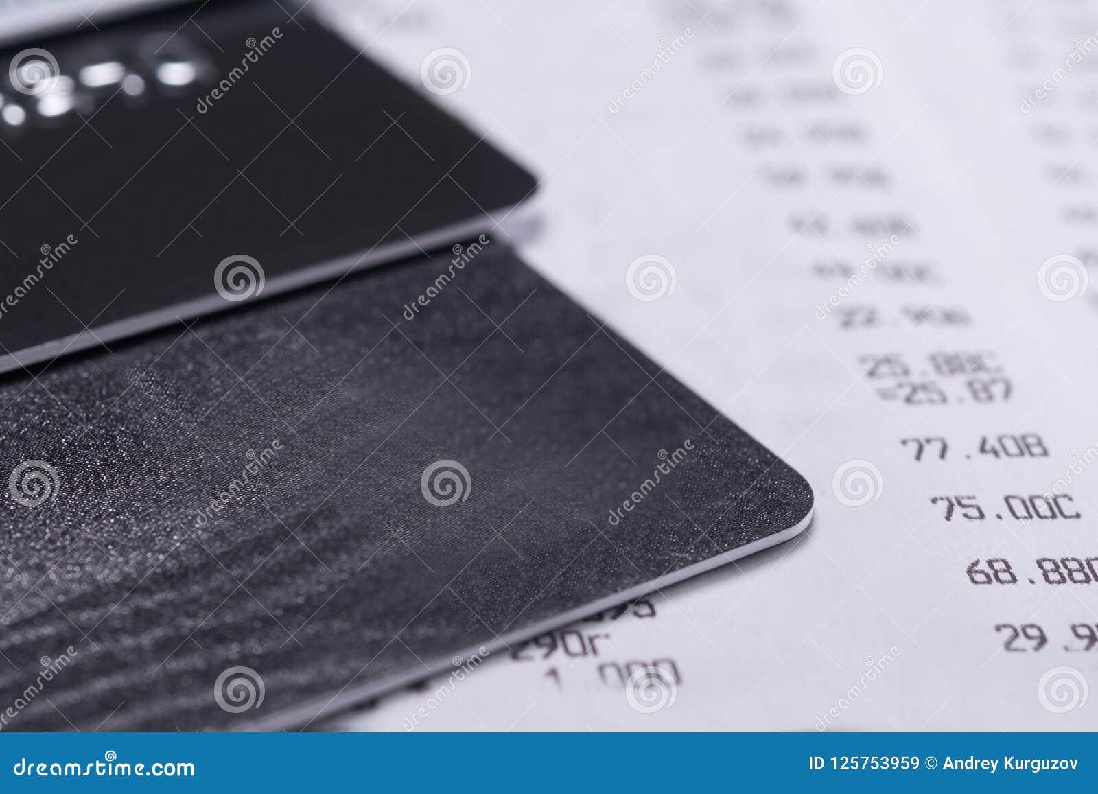 Карточки банка на продажи receipt от магазина, конца-вверх предпосылки
