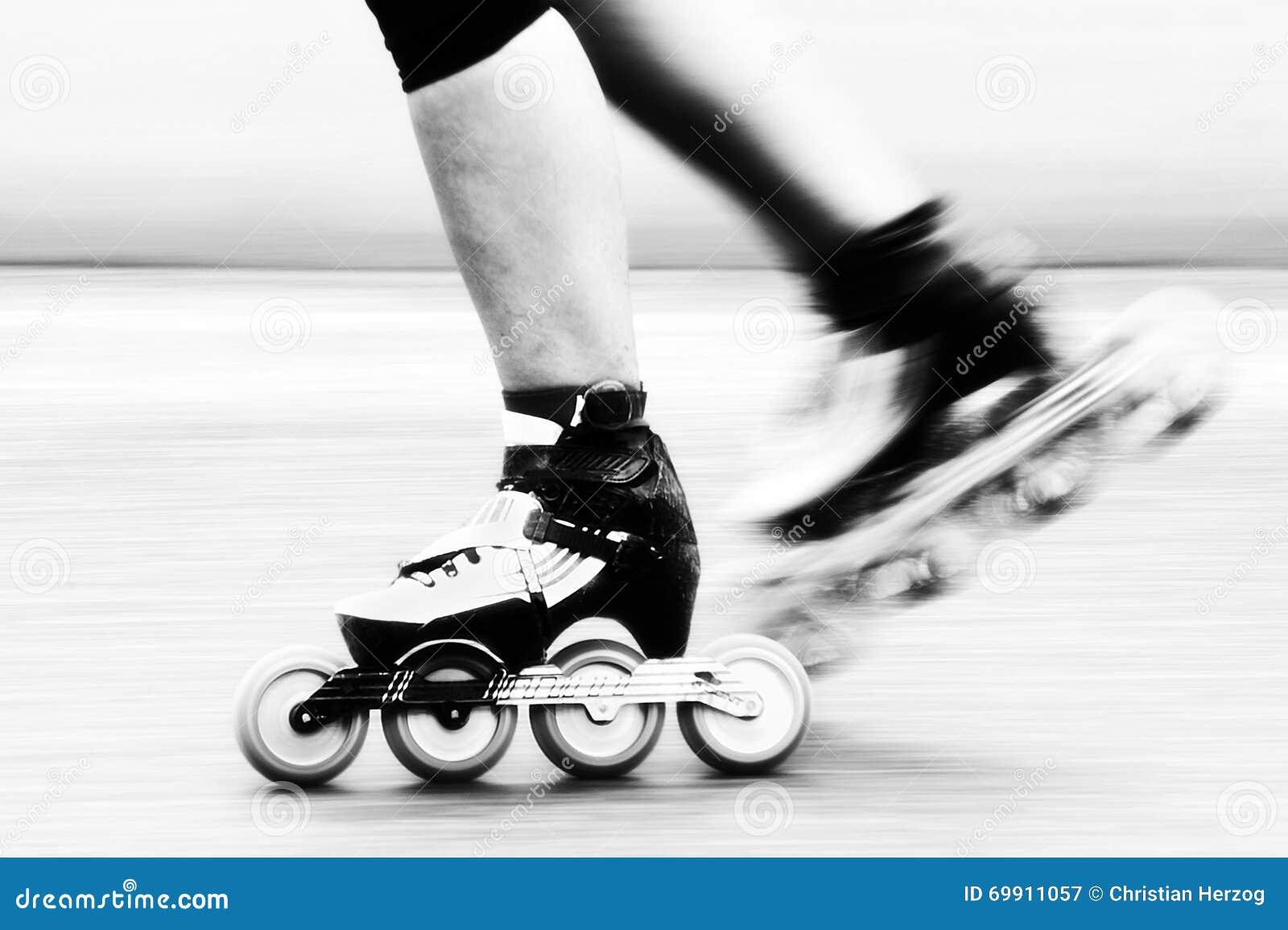 Кататься на коньках скорости