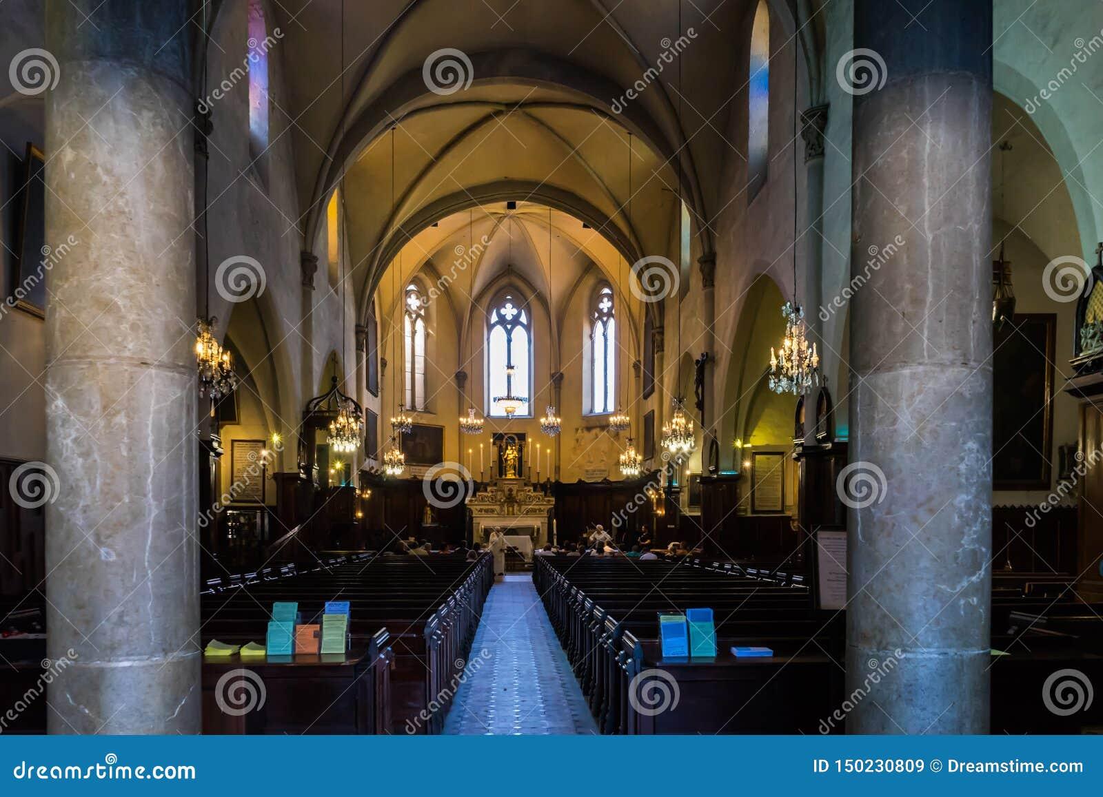 Католическая церковь Канн
