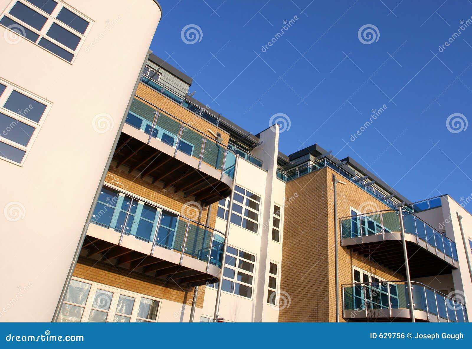 Download квартиры новые стоковое фото. изображение насчитывающей кондо - 629756