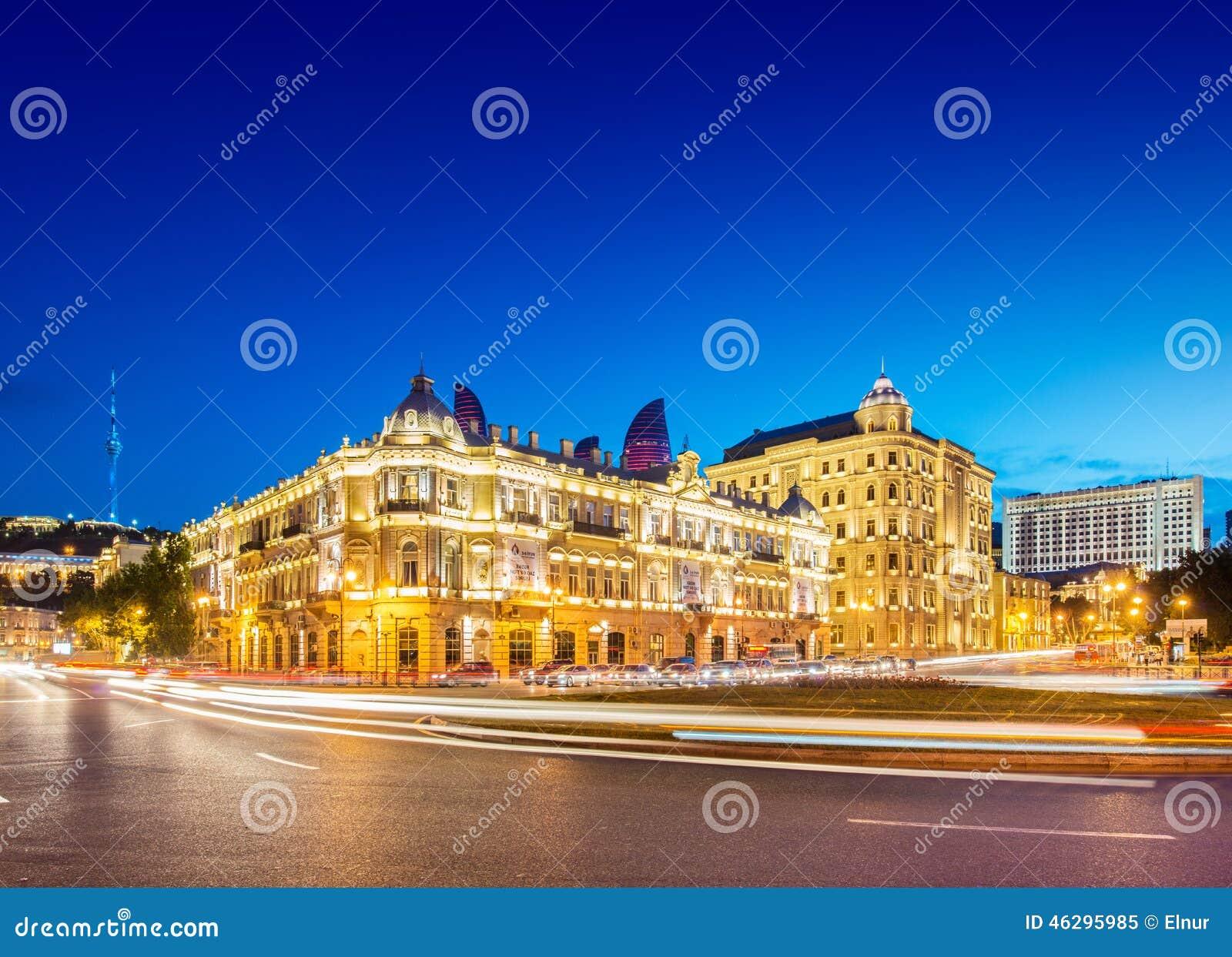 Квадрат Azneft 30-ого мая в Баку, Азербайджане