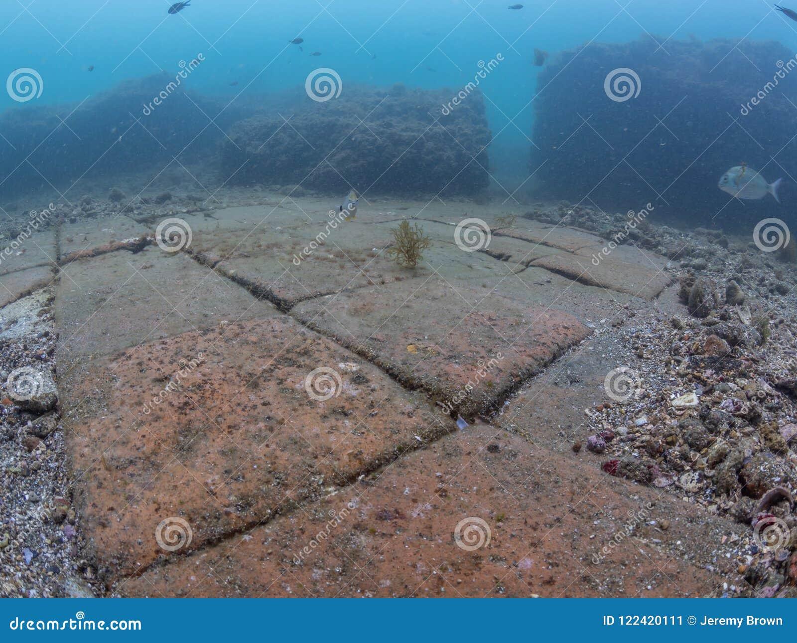 Керамические плитки пола в императоре Claudio's Ninfeum подводный,