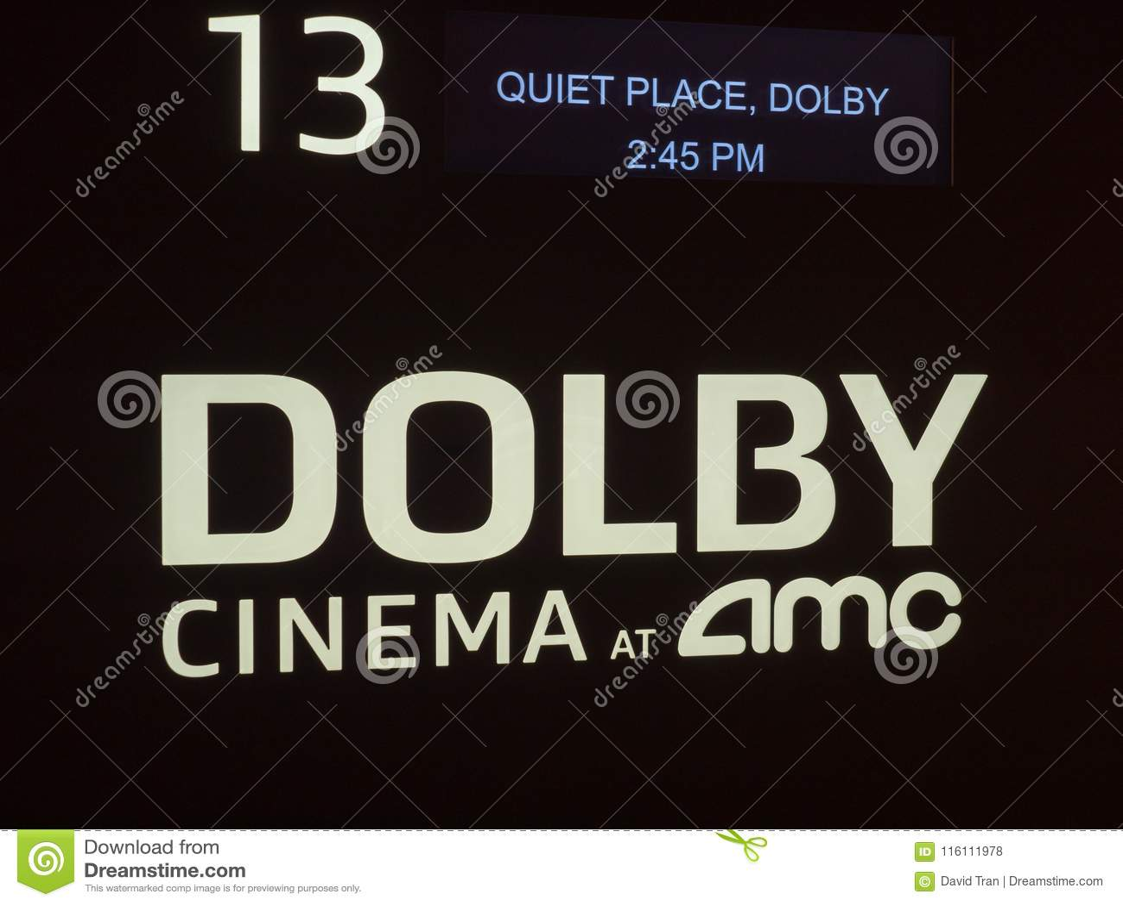 Кино Dolby на логотипе аттестации AMC вне theate кино