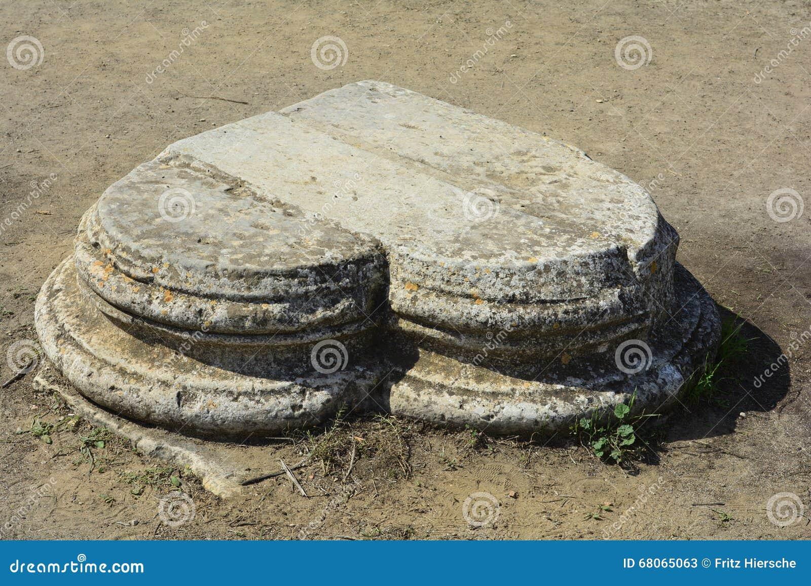 Кипр, старые салями