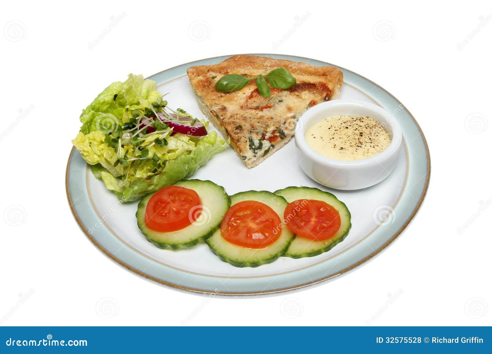Киш и салат