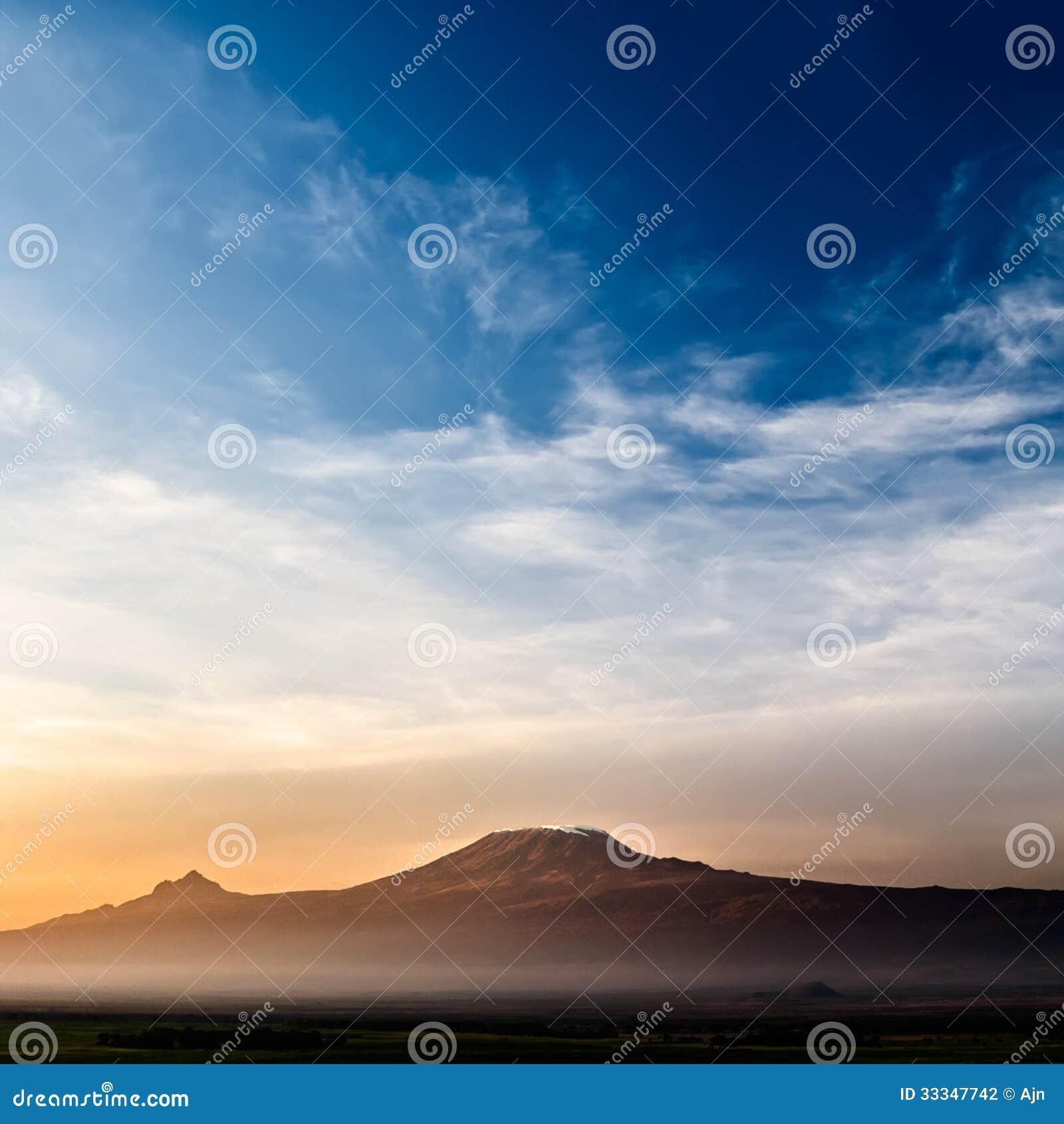 Килиманджаро на восходе солнца