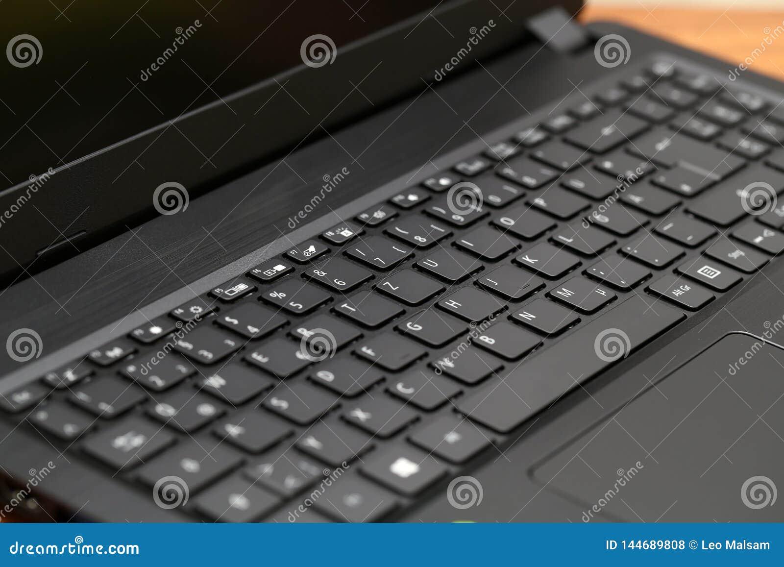 Клавиатура ноутбука, черная клавиатура Конец клавиатуры вверх