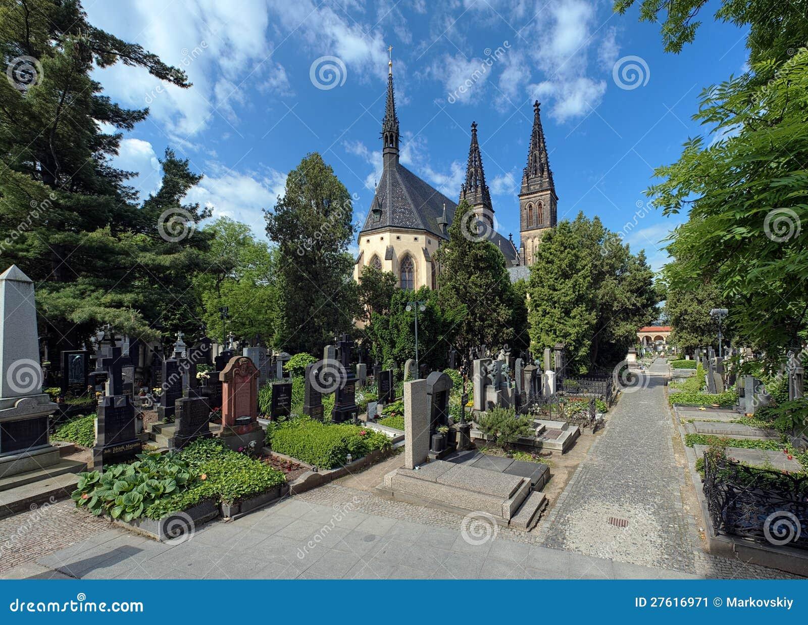Кладбище в Прага, Чешская Республика Vysehrad