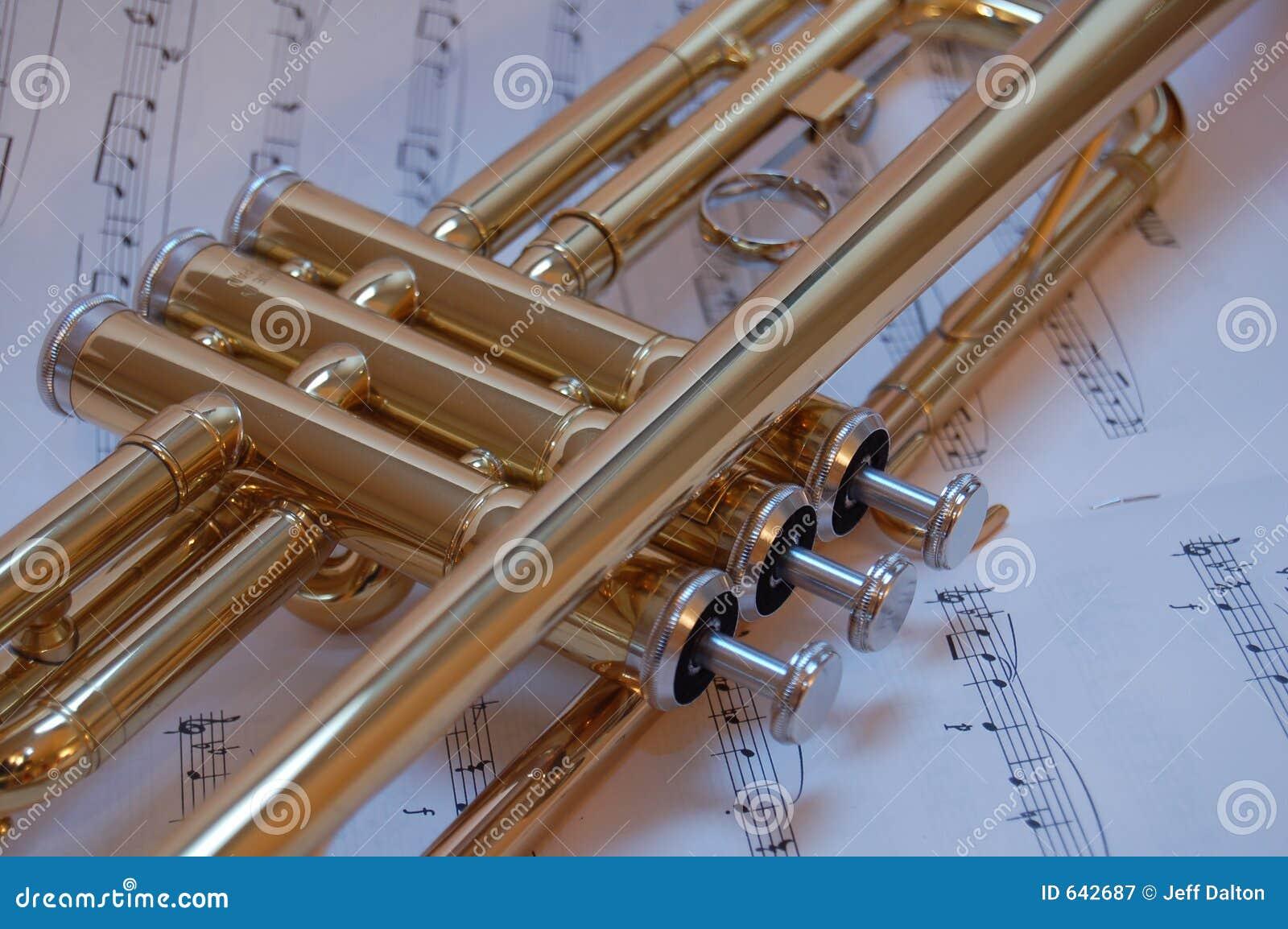 Download клапаны trumpet стоковое изображение. изображение насчитывающей случай - 642687