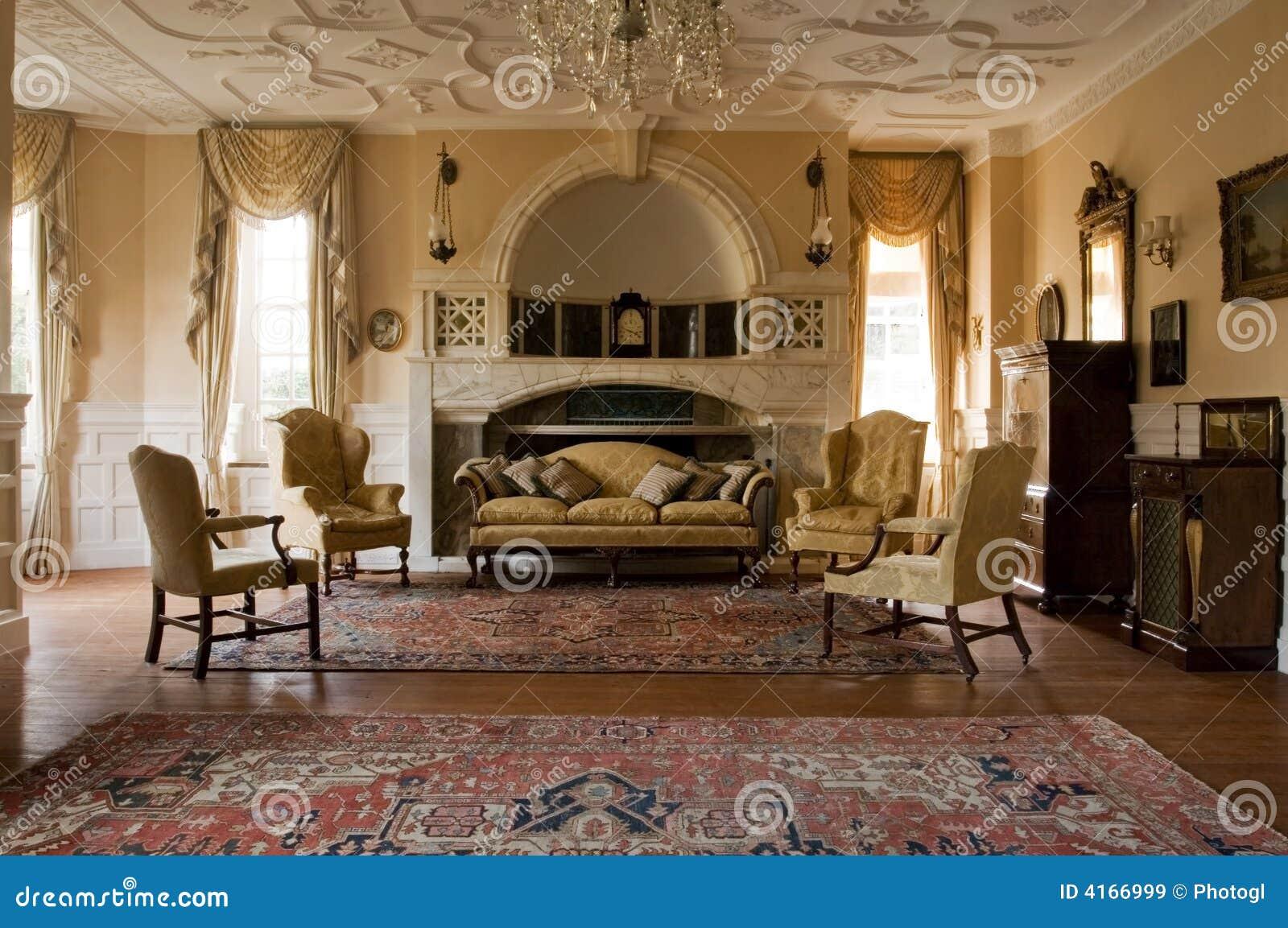 классицистическая живущая комната