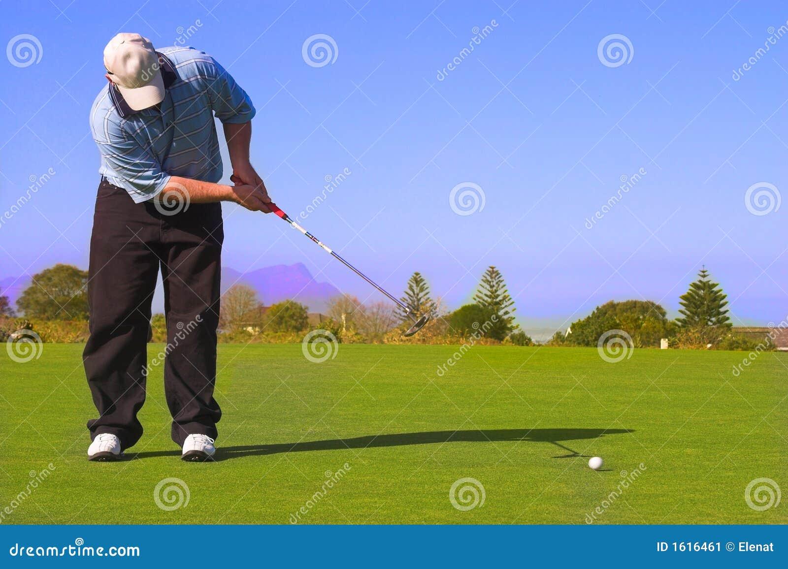 класть игрока в гольф