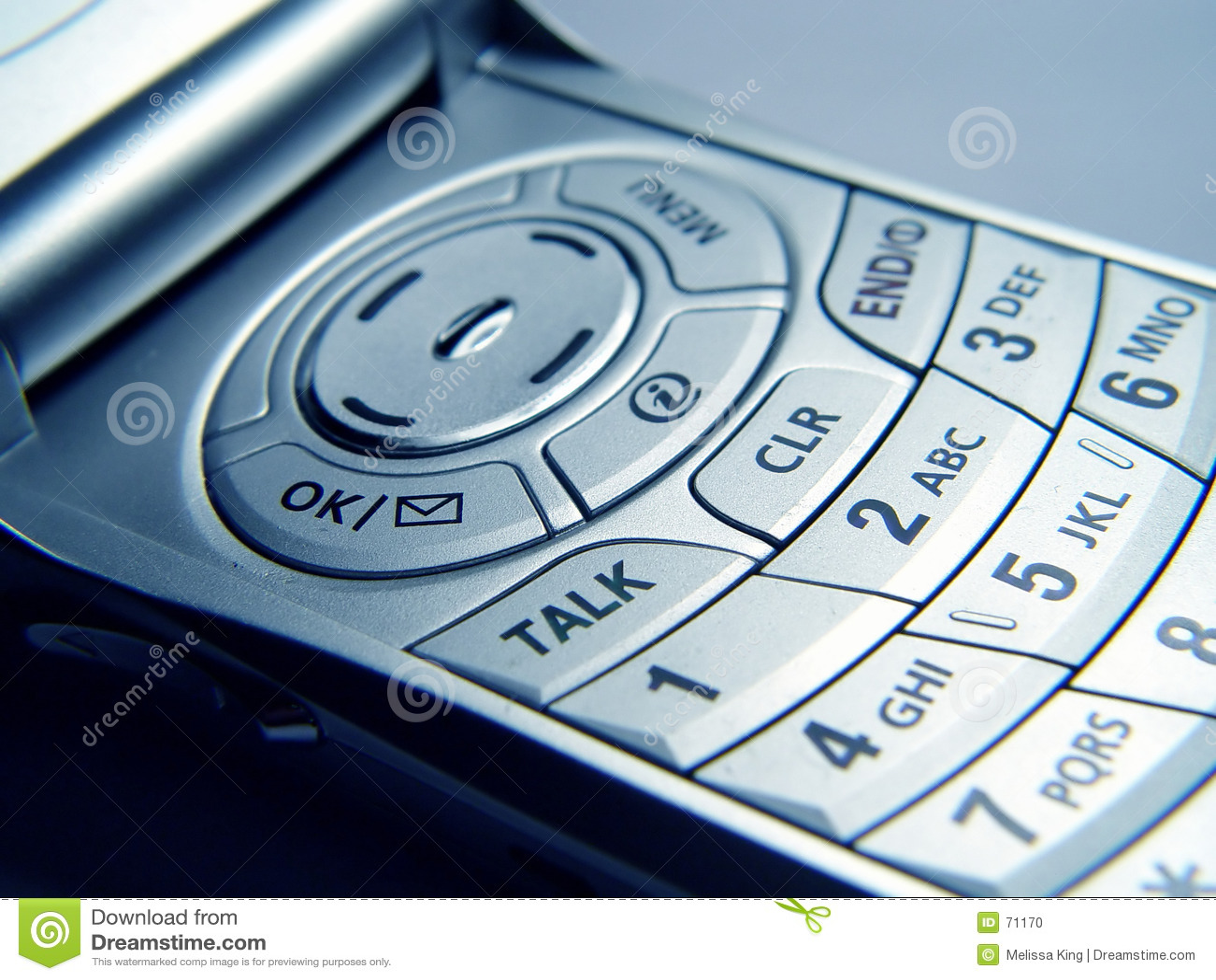 клетчатый телефон крупного плана