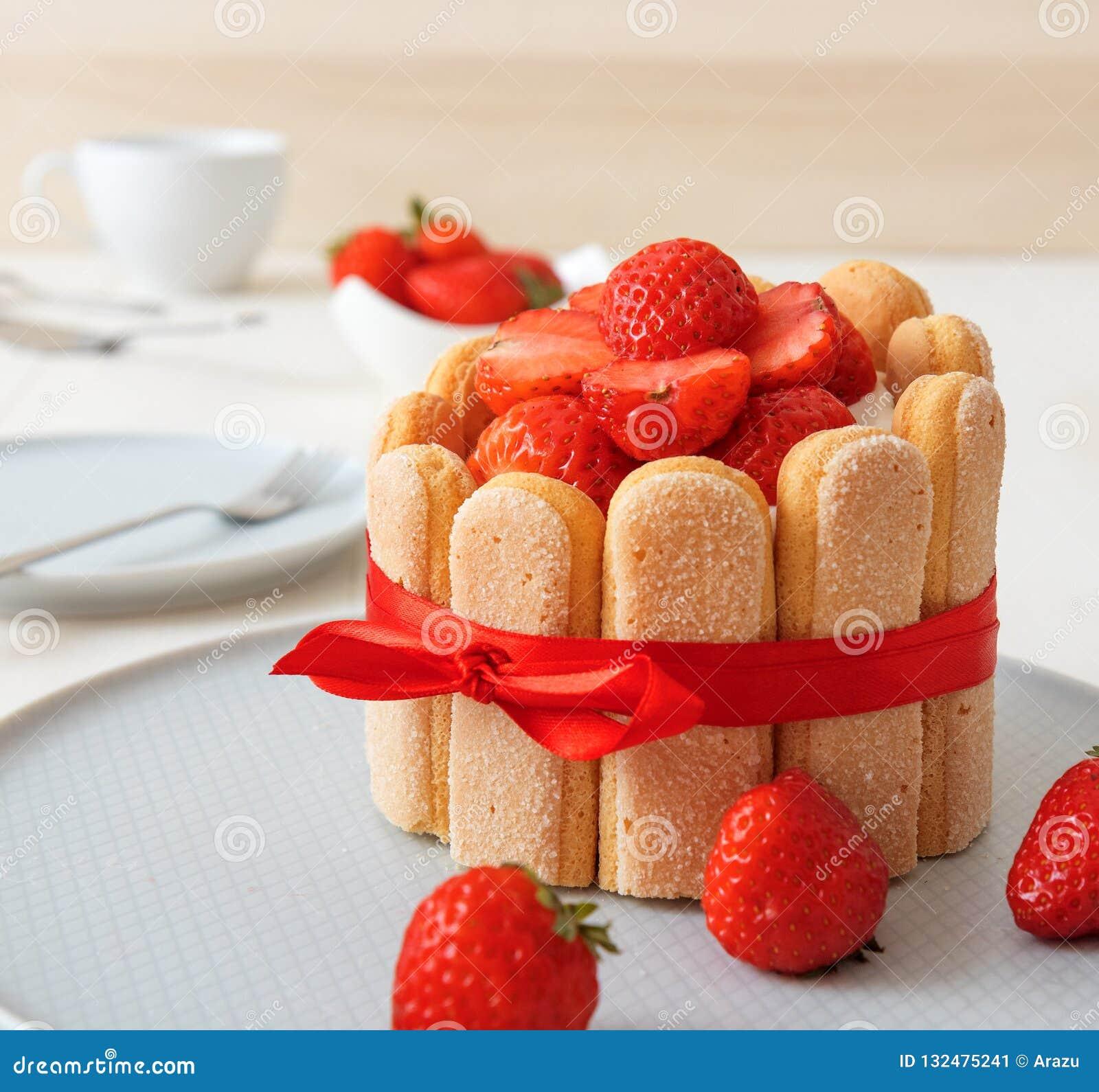 Десерт из клубники по французский