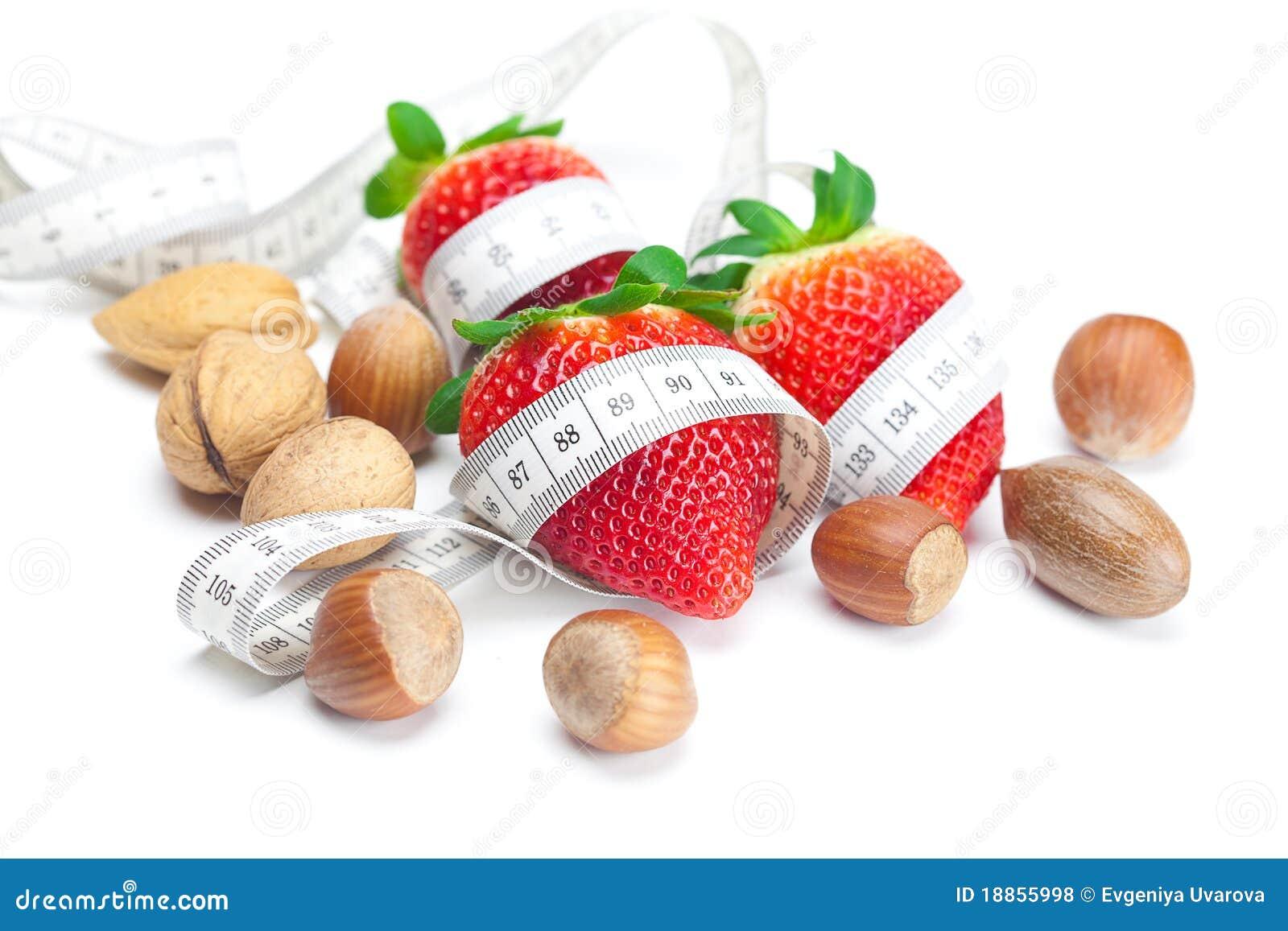 клубники яблока большие сочные nuts красные зрелые