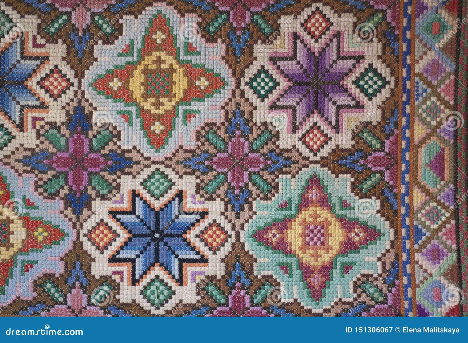 Ковер фото поверхностный красивый handmade Крест вышивки болгарский