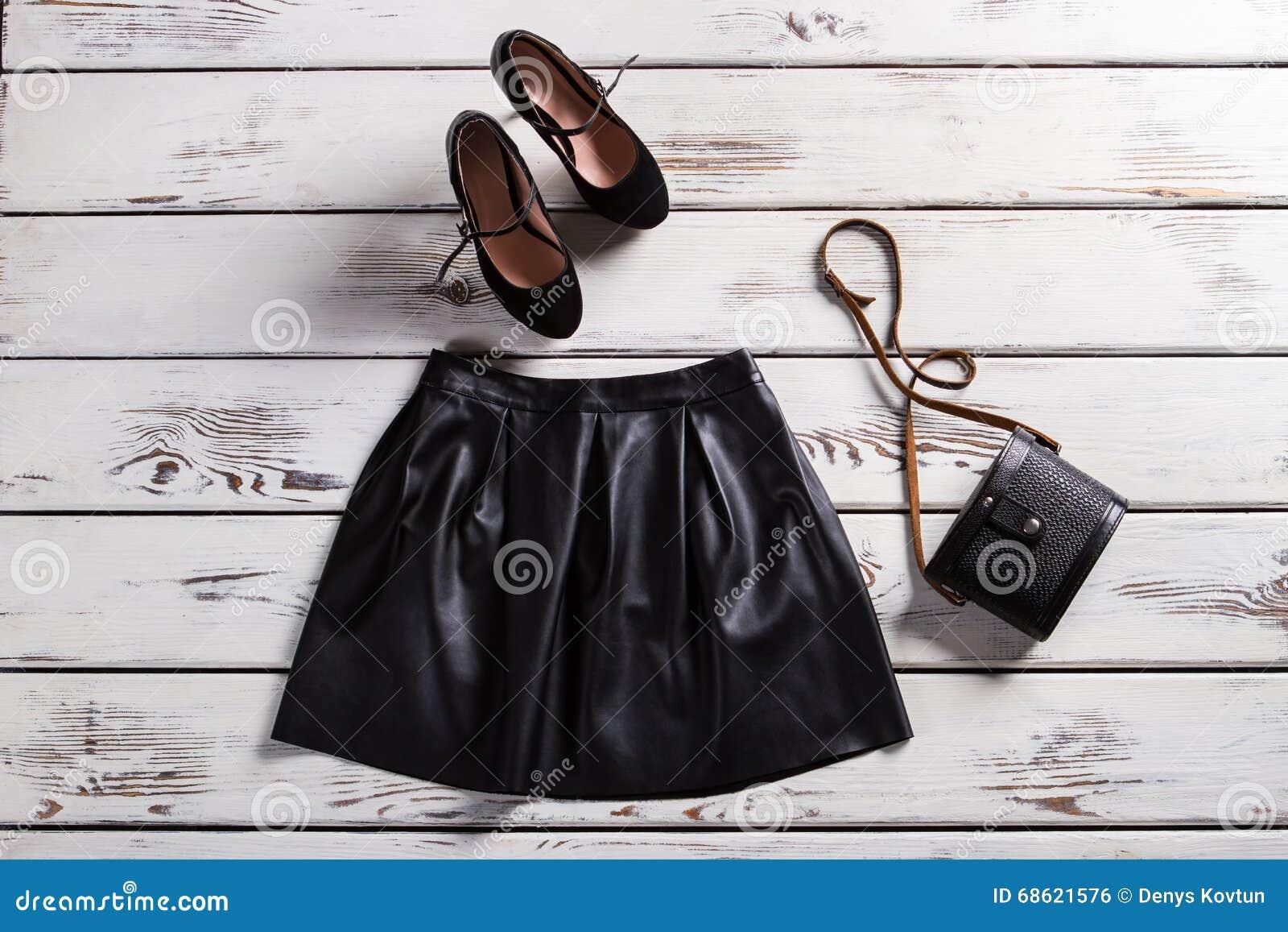 Кожаные ботинки юбки и замши