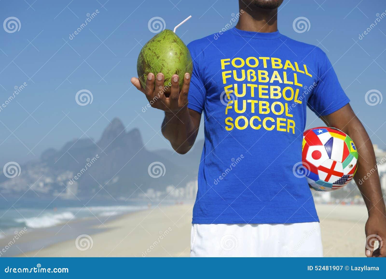 Кокос шарика рубашки футбола бразильского футболиста международный