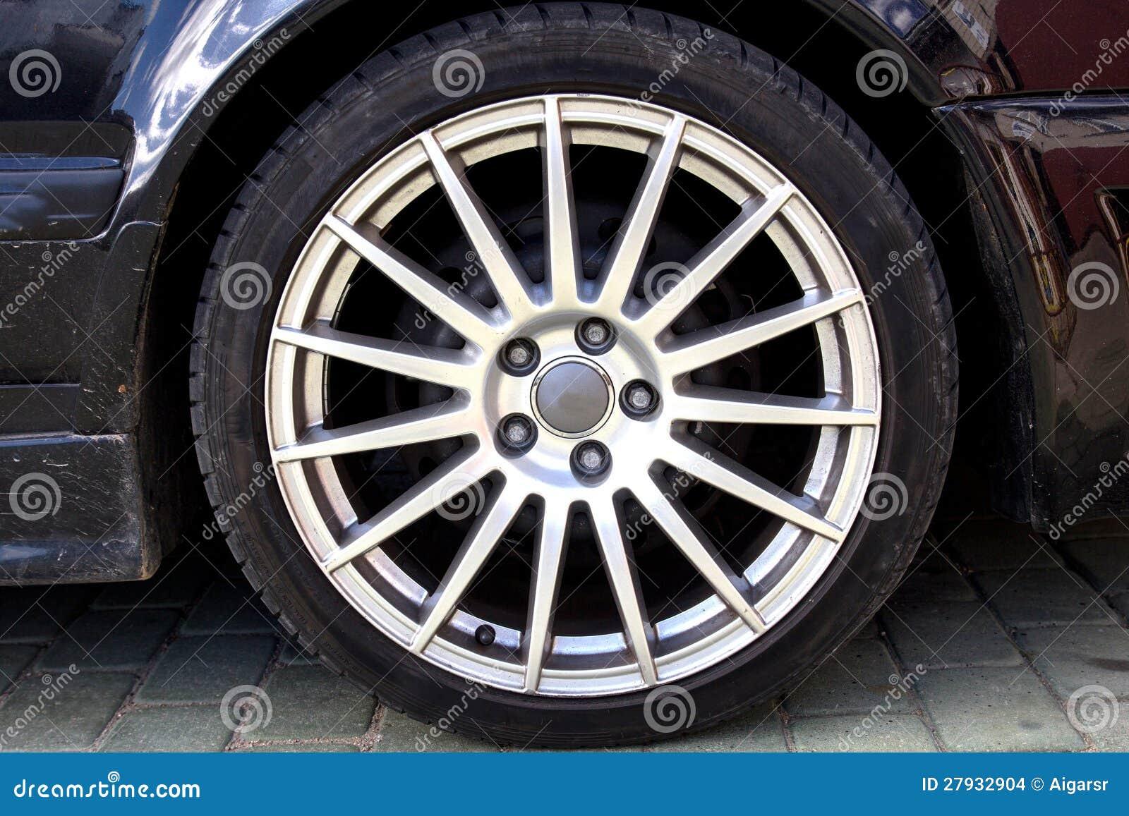 Колесо сплава автомобиля