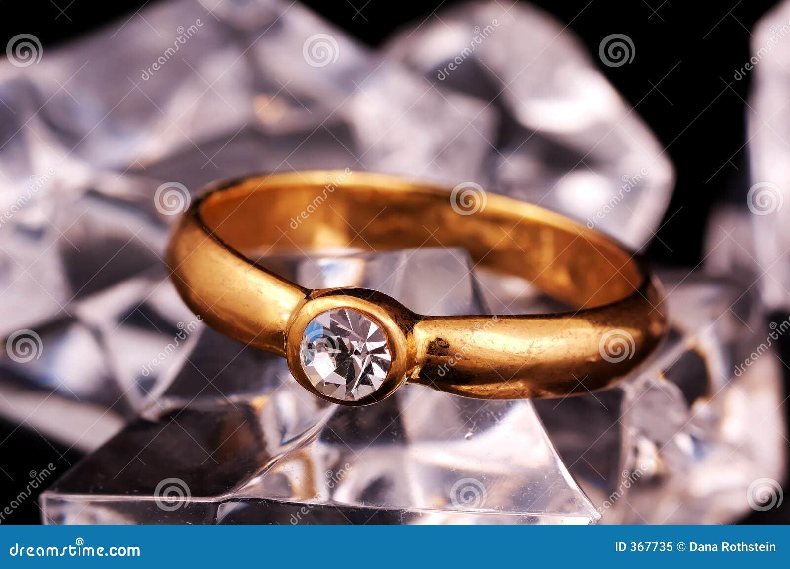 кольцо диаманта