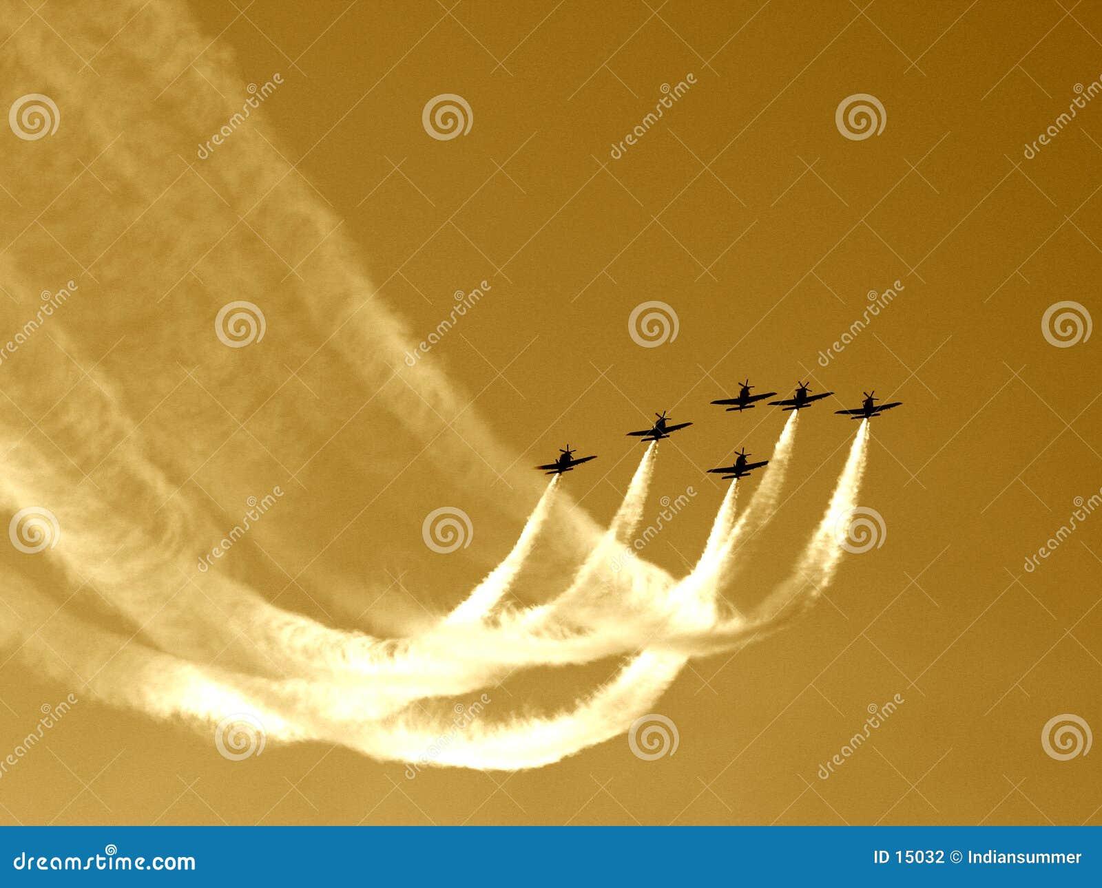 команда синхронизированная полетом v