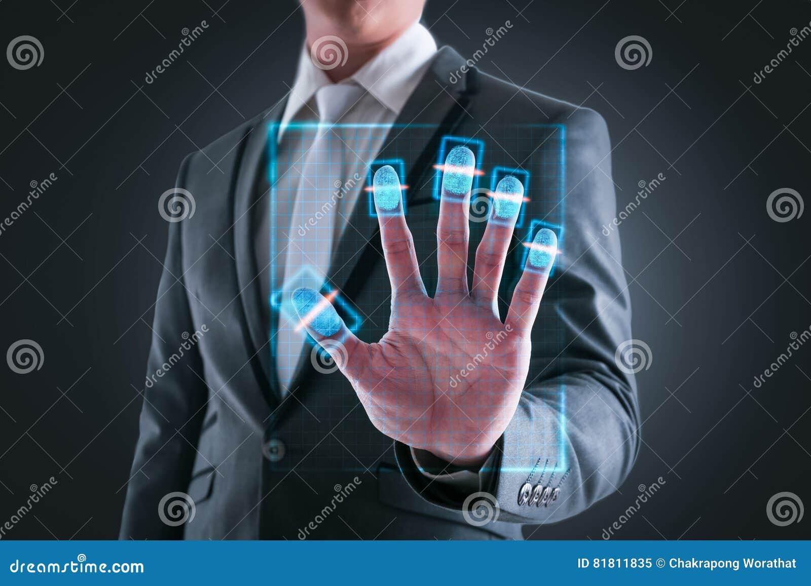 Коммерсантка отжимая высокую технологию кода штриховой маркировки развертки