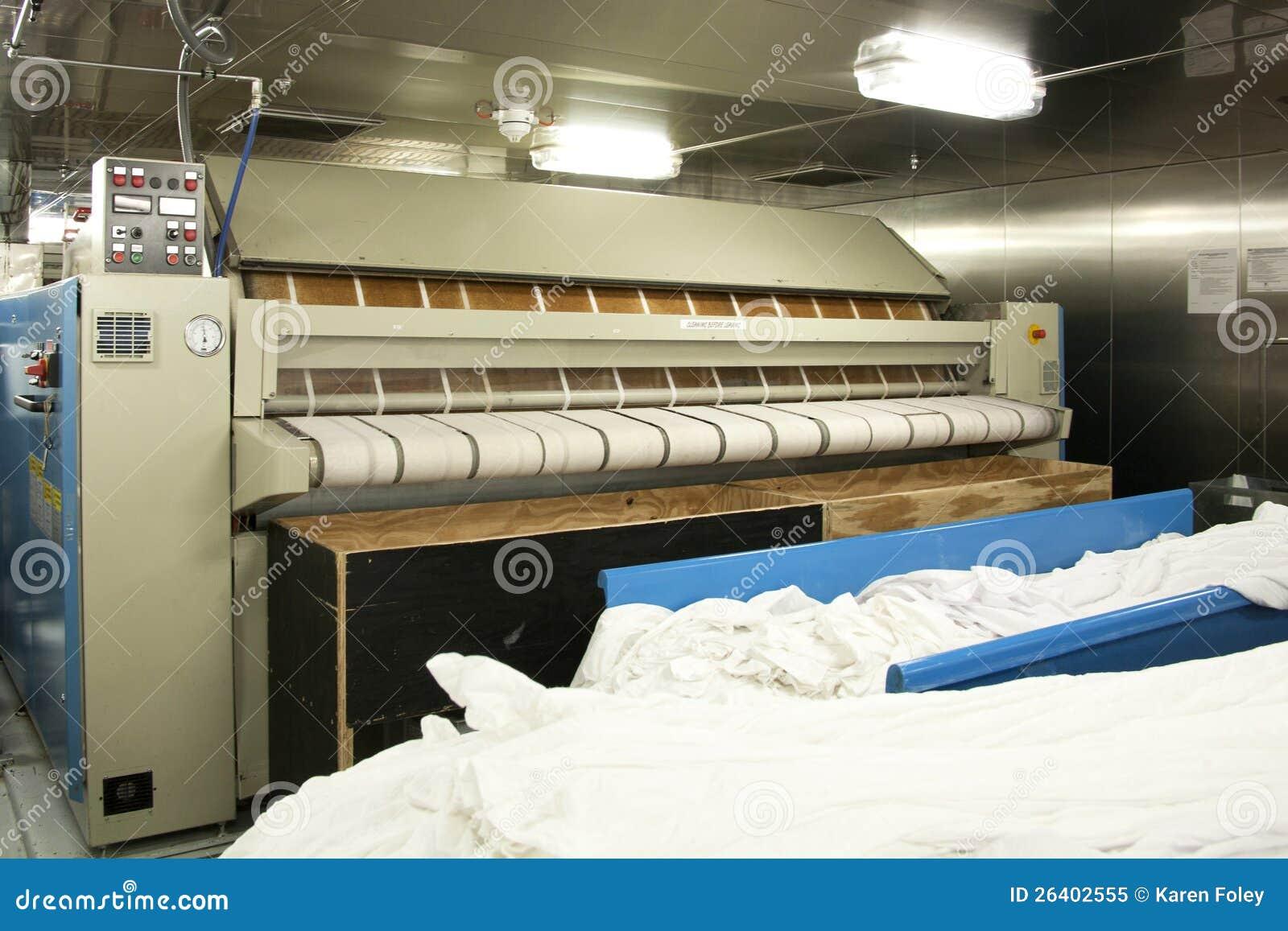 Коммерчески гладильная машина