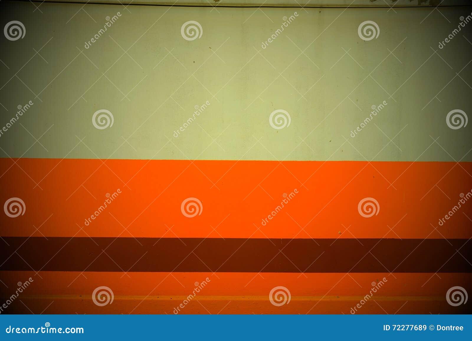Download Комната оранжевой стены пустая Стоковое Изображение - изображение насчитывающей померанцово, реновация: 72277689