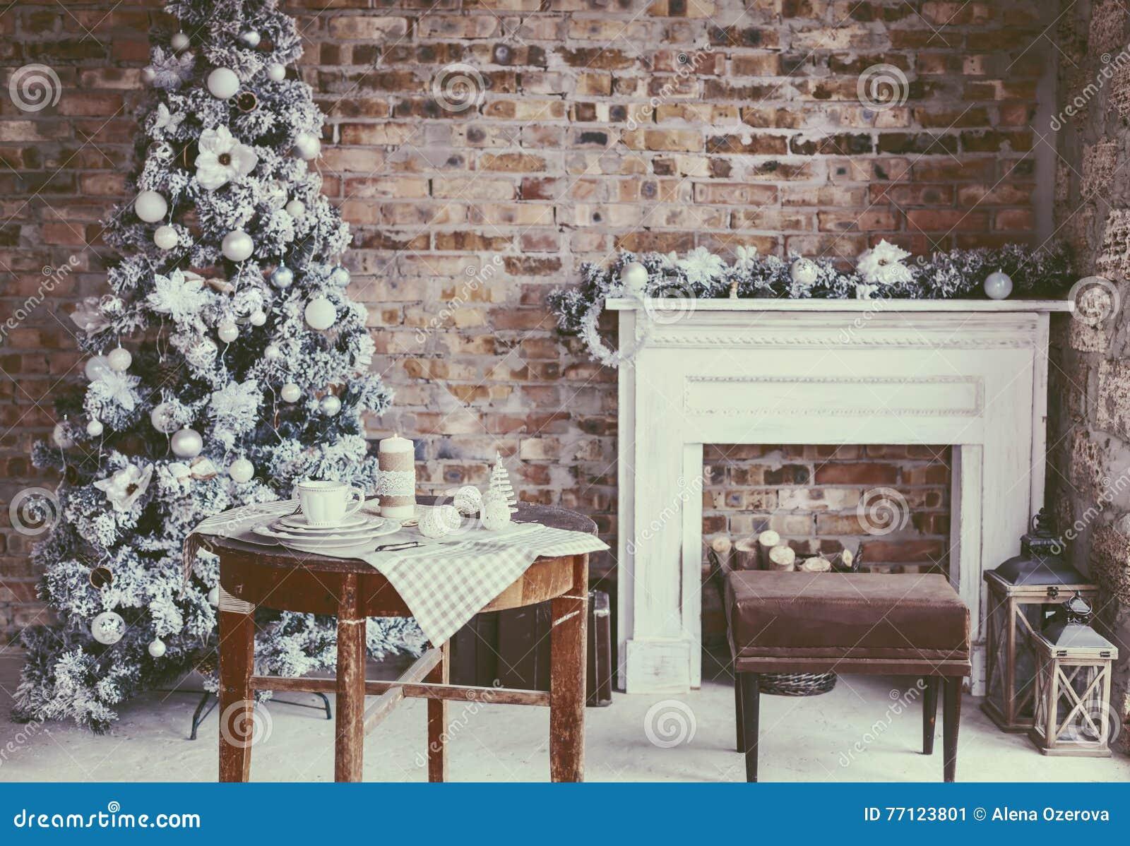 Комната рождества просторной квартиры