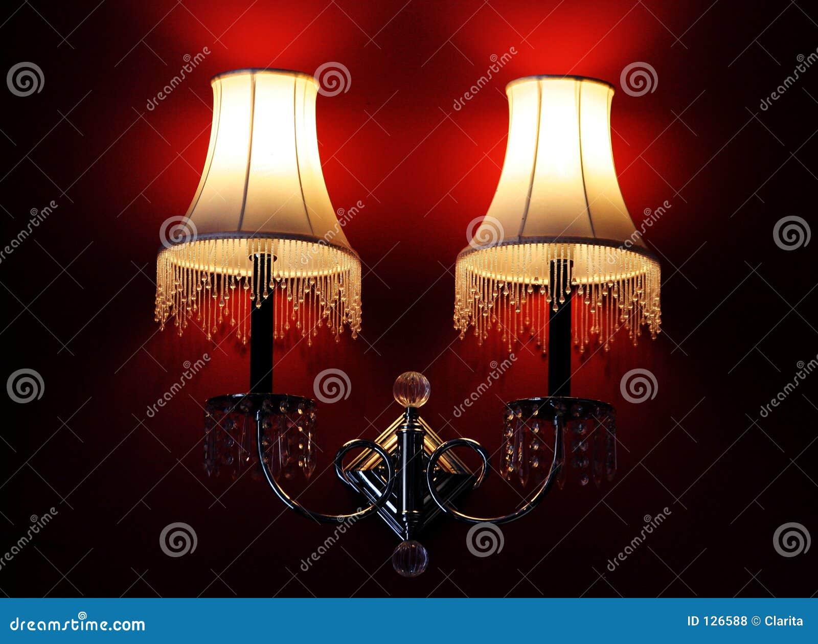комната светильников