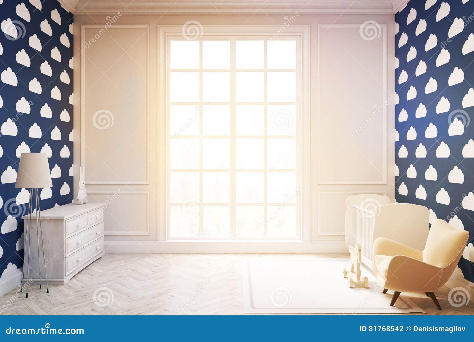Комната ` s ребенка с обоями облака на синей тонизированной стене,