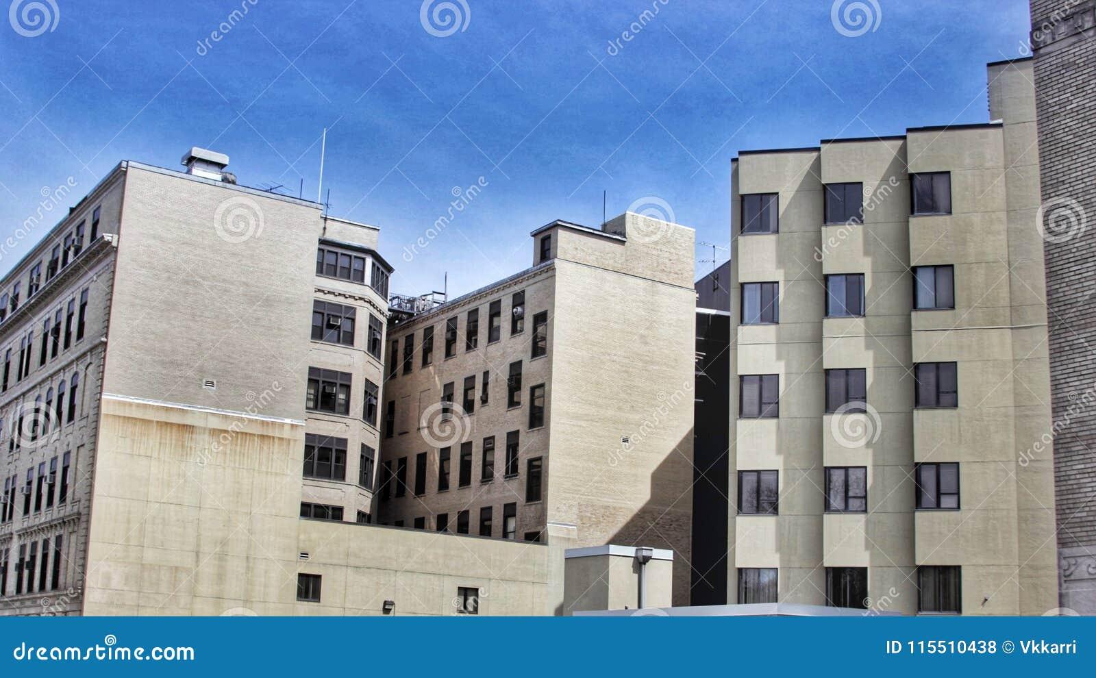 Комплексы апартаментов городского квартала в городе