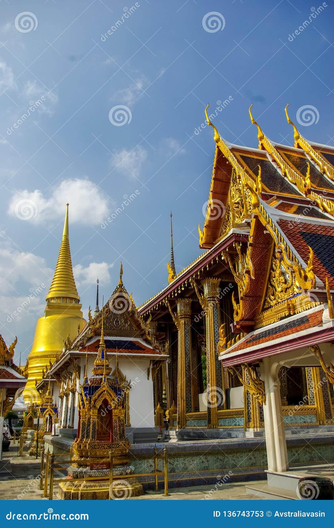 Комплексы виска в Таиланде Буддийские виски в Бангкоке